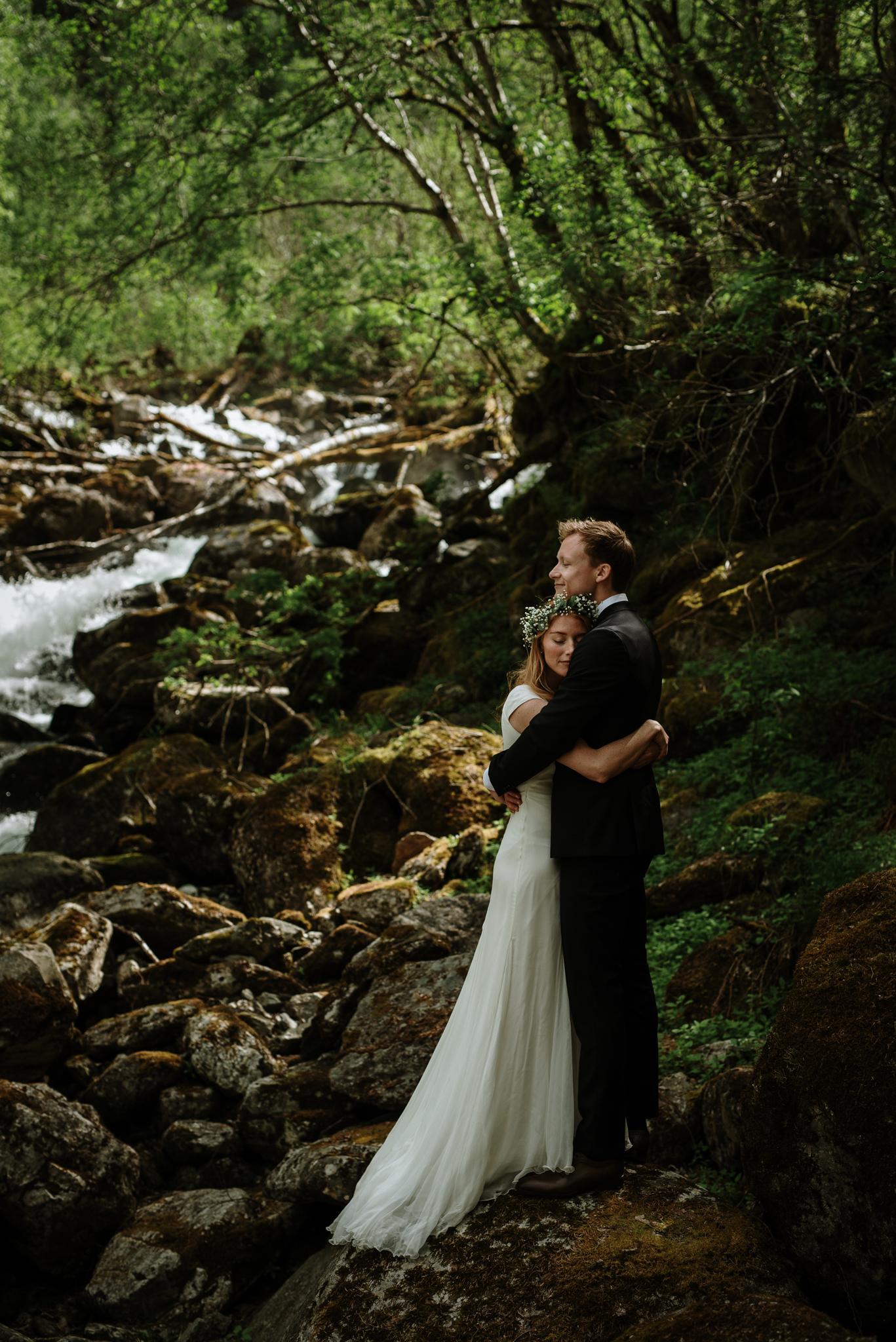 Bryllupsfotograf Sogndal, bryllup Skjolden Hotell