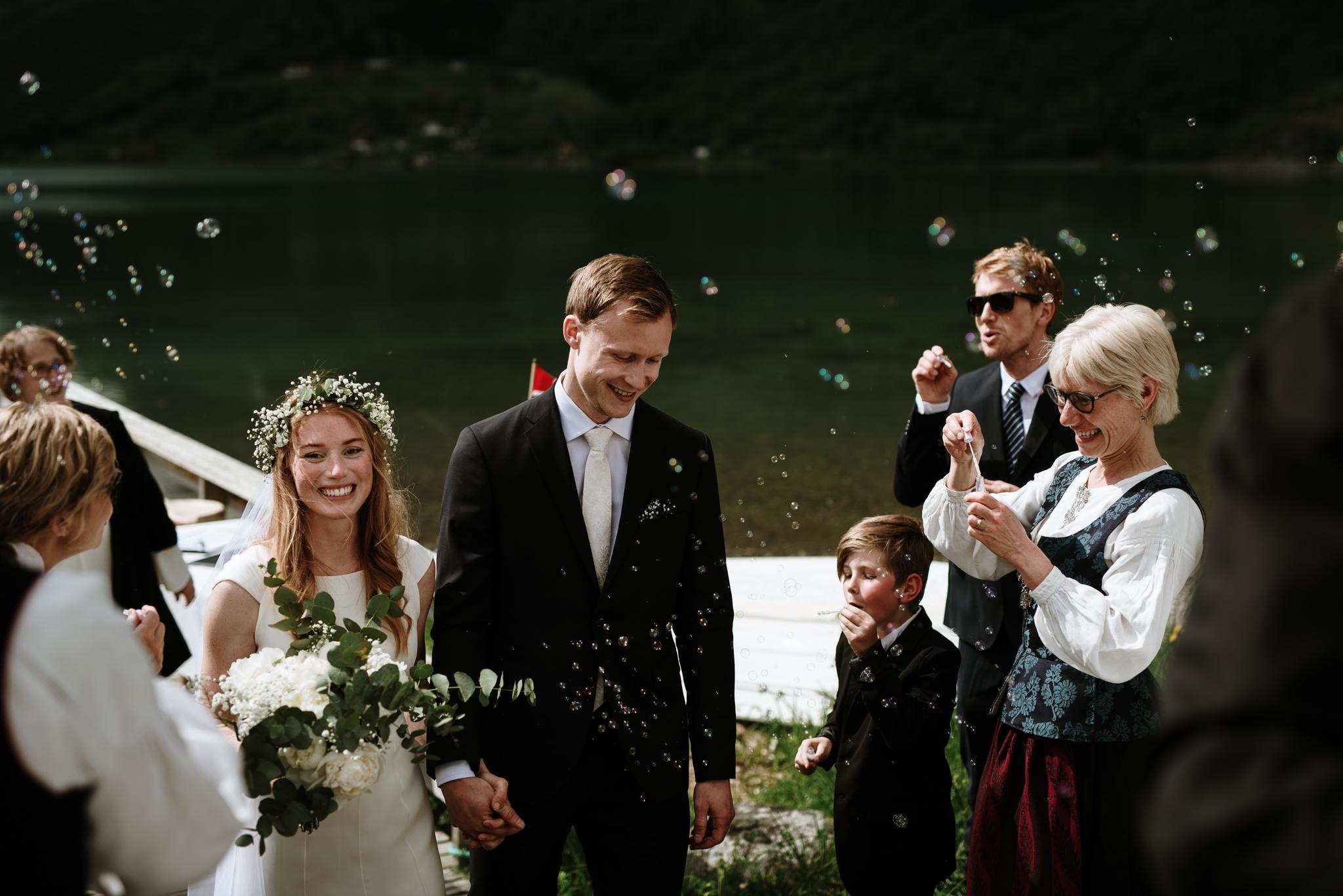 Bryllupsfotograf Sogndal - bryllup Skjolden Hotell_-30.jpg
