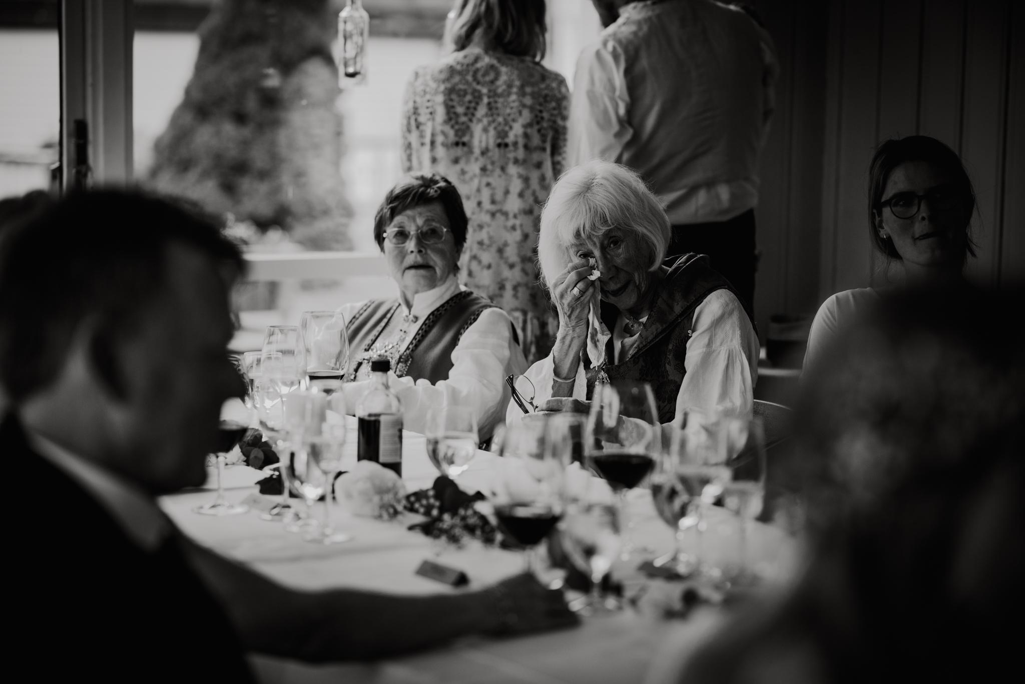 Bryllupsfotograf Sogndal - bryllup Skjolden Hotell_-57.jpg