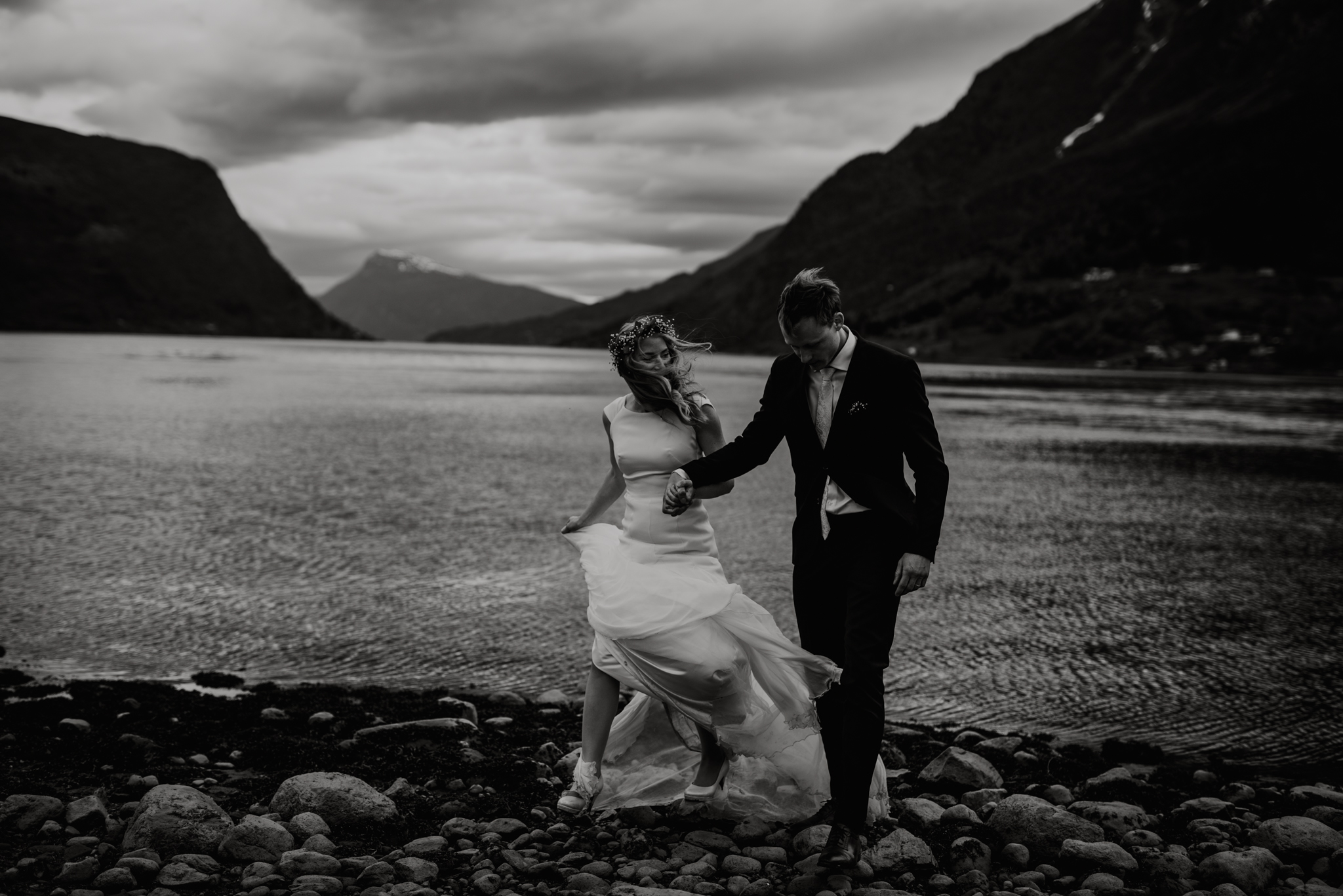 Elopement in Norway fjords _ Elopement photographer Norway West