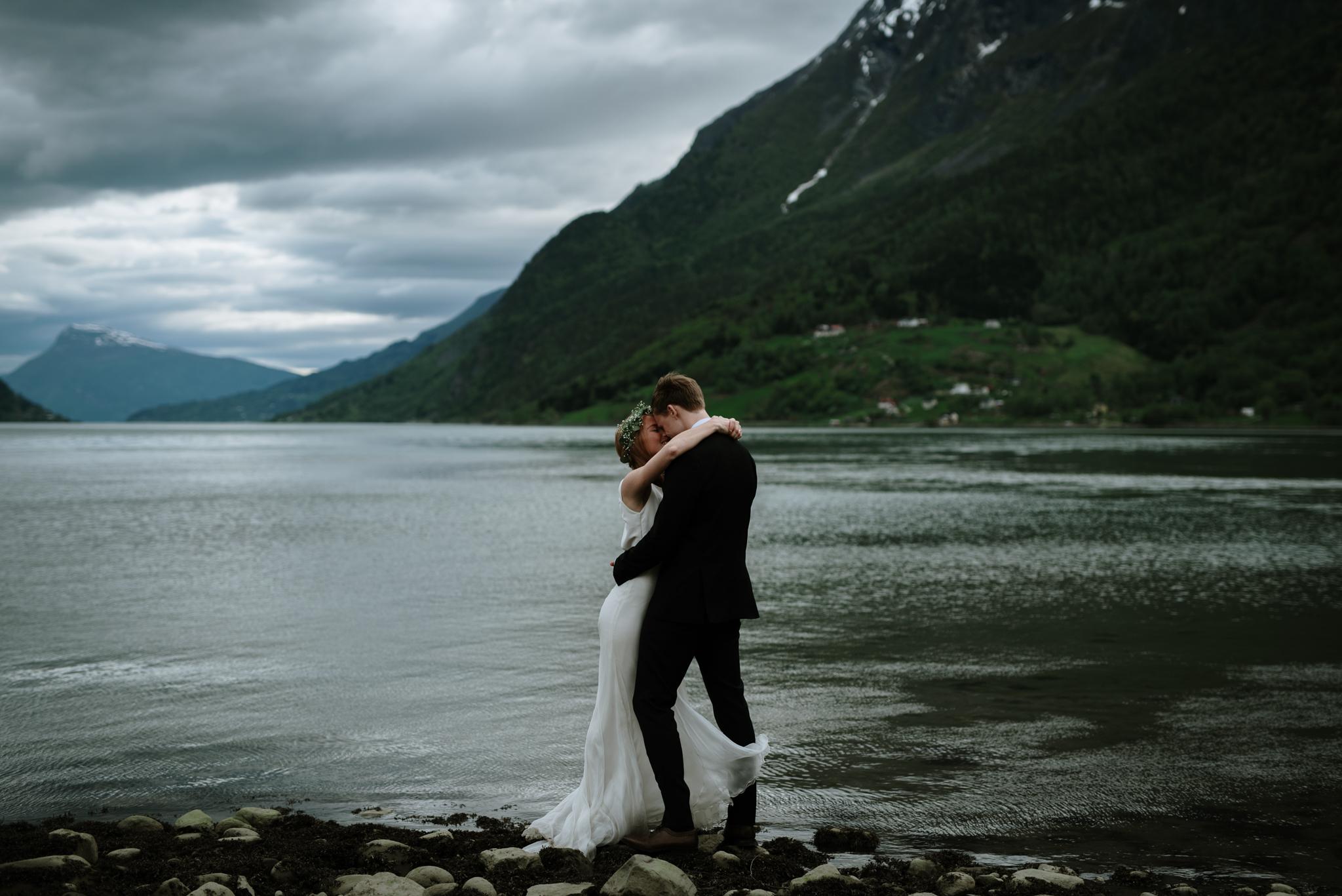 Bryllupsfotograf Sogndal - bryllup Skjolden Hotell_-67.jpg