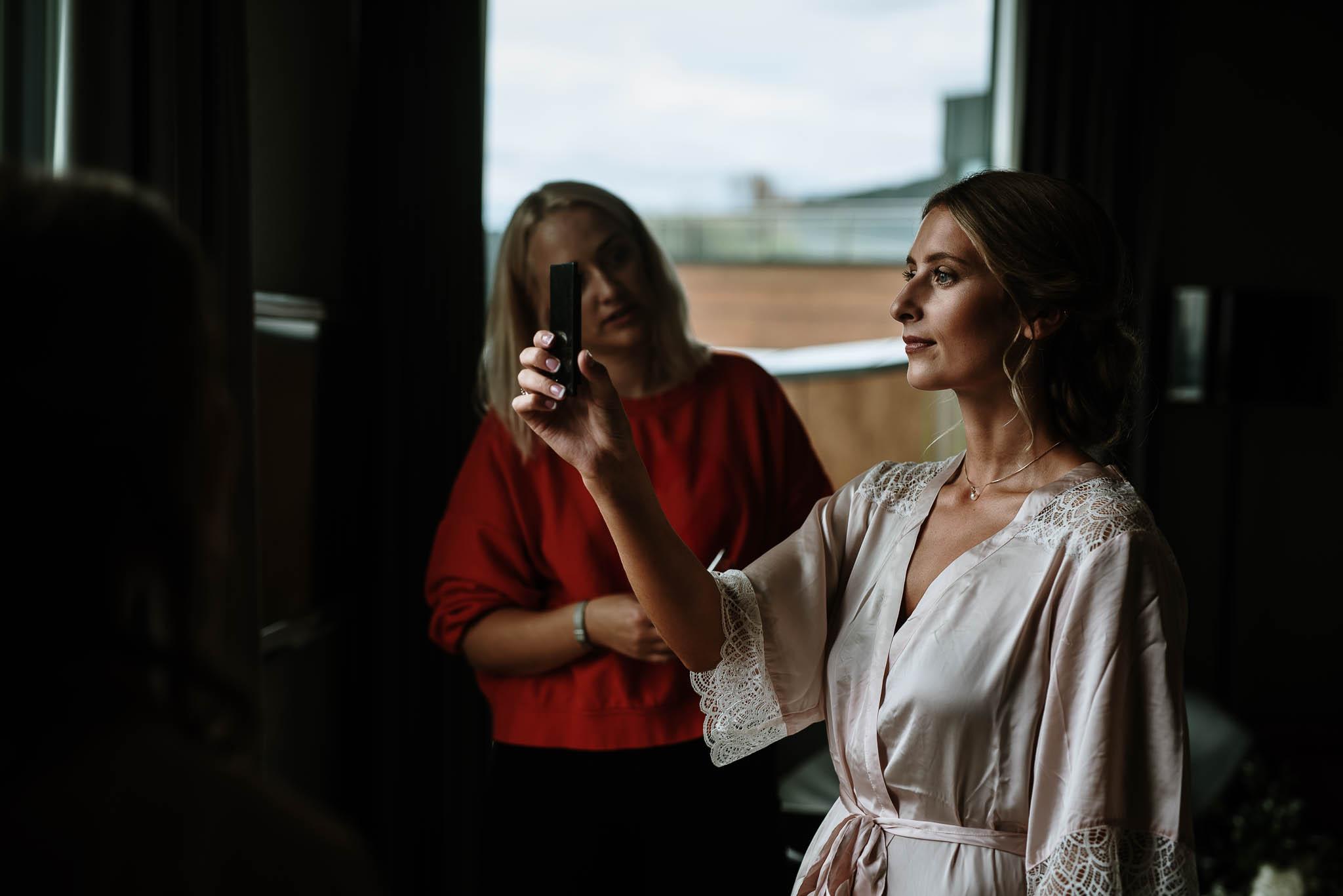 Bryllupsfotograf i Drammen - bryllup i Ålesund - Øygardshallen bryllup-6.jpg