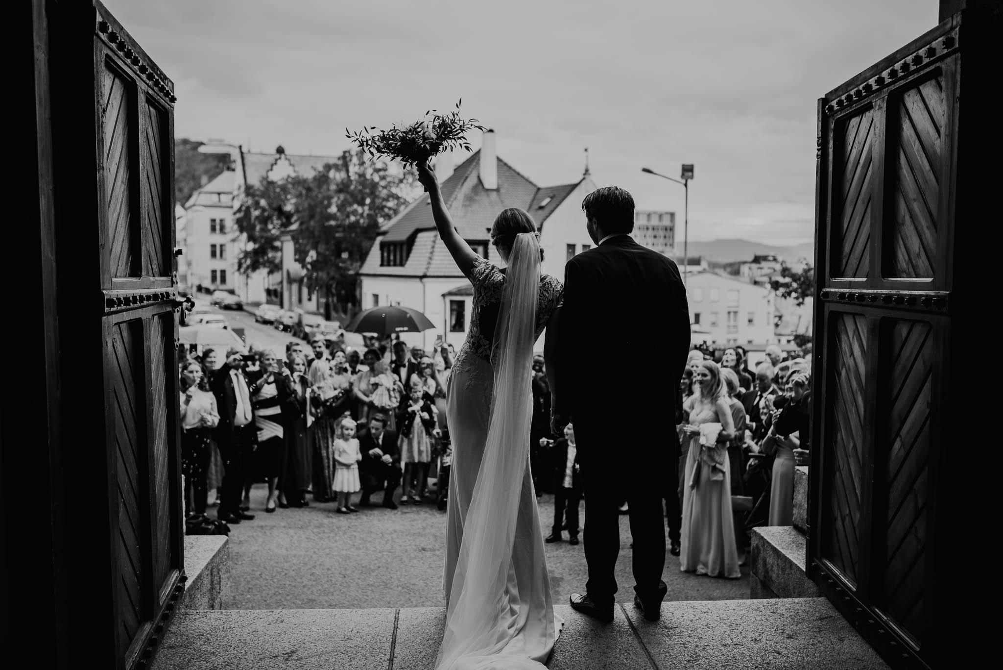 Bryllupsfotograf i Drammen - bryllup i Ålesund - Øygardshallen bryllup-55.jpg