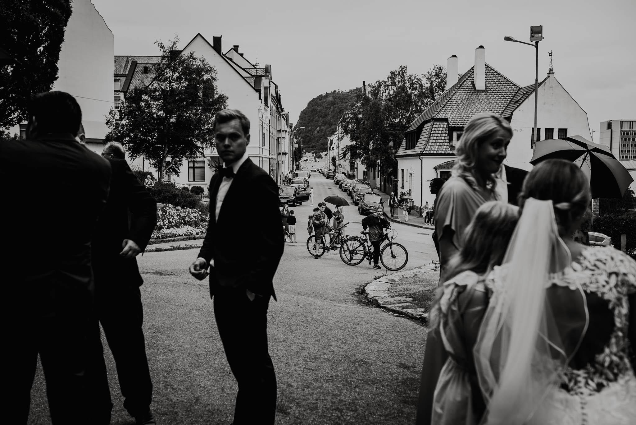 Bryllupsfotograf i Drammen - bryllup i Ålesund - Øygardshallen bryllup-59.jpg