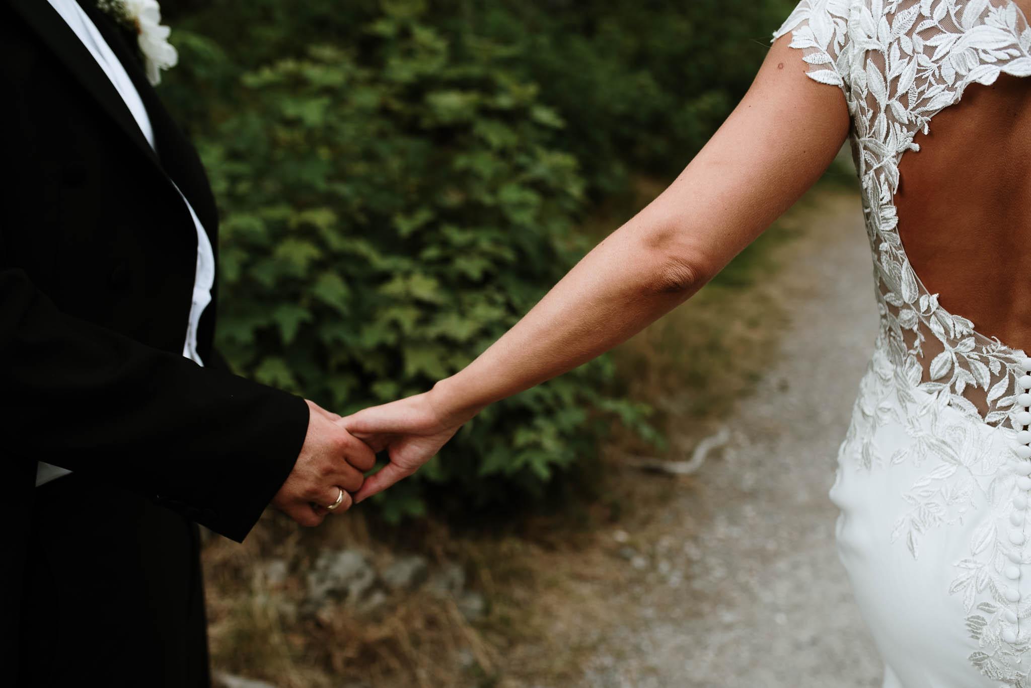 Bryllupsfotograf i Drammen - bryllup i Ålesund - Øygardshallen bryllup-78.jpg