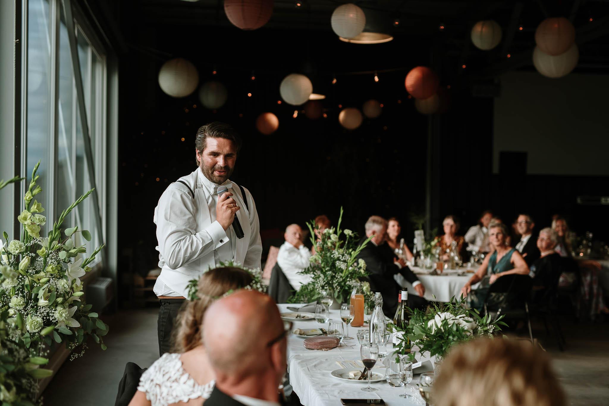 Bryllupsfotograf i Drammen - bryllup i Ålesund - Øygardshallen bryllup-89.jpg