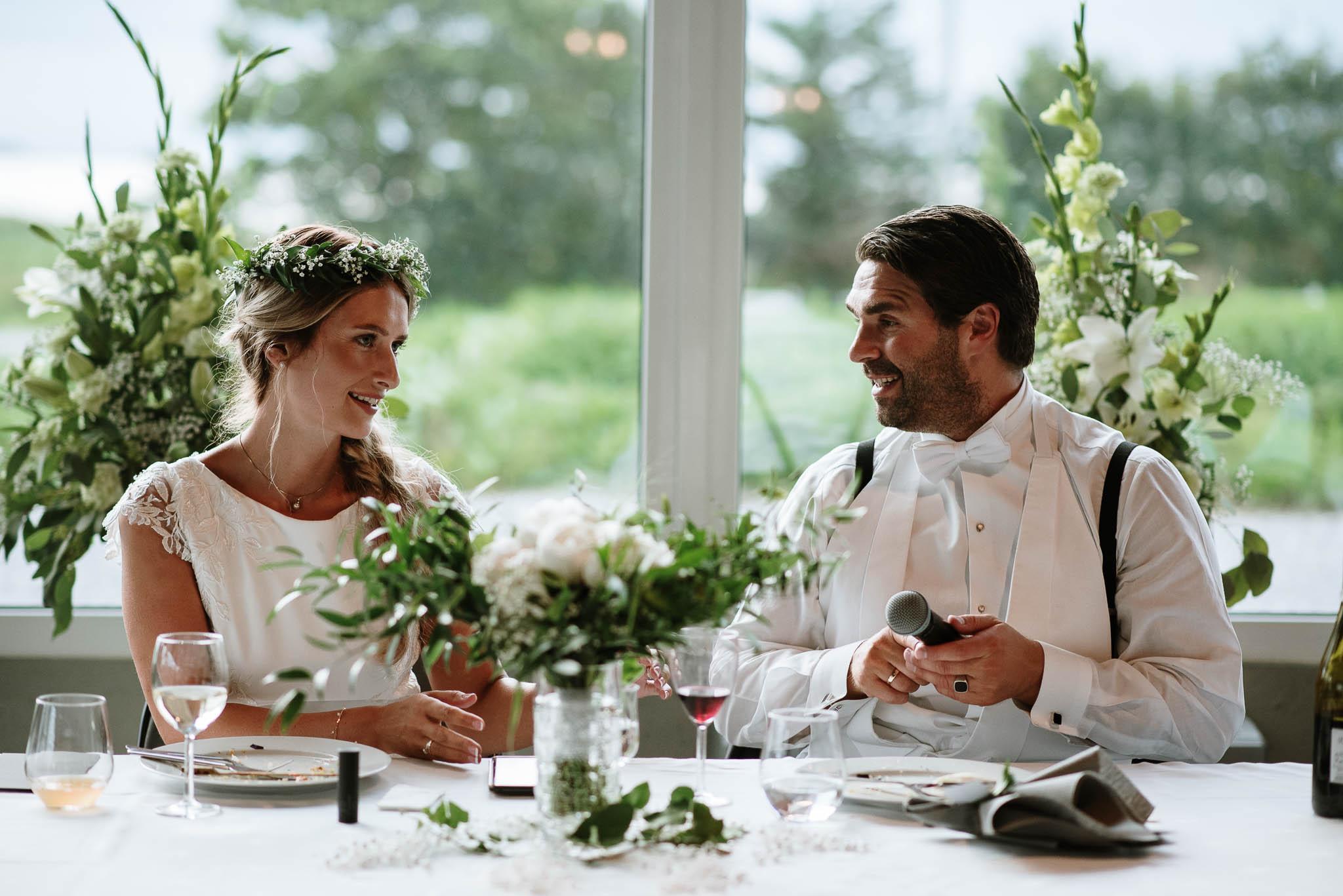 Bryllupsfotograf i Drammen - bryllup i Ålesund - Øygardshallen bryllup-93.jpg