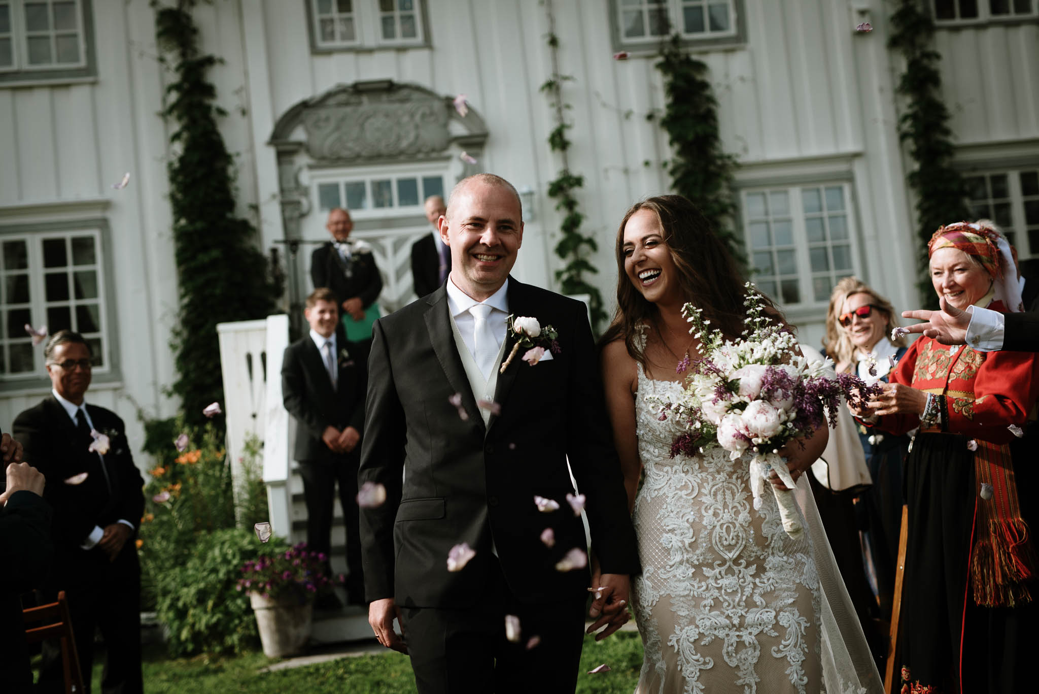 Bryllupsfotograf i Lofoten - wedding photographer Lofoten - bryllup harstad-24.jpg