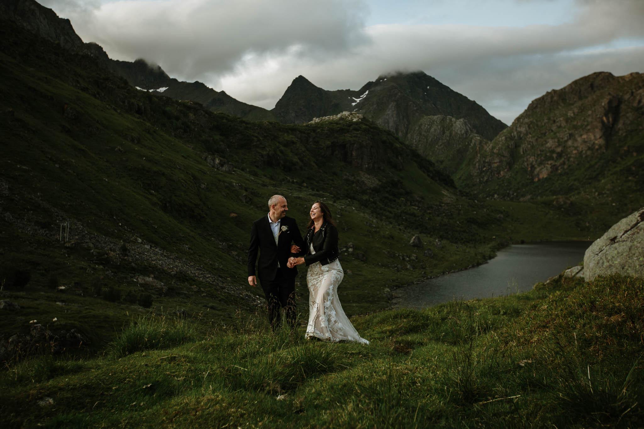 Bryllupsfotograf i Lofoten - wedding photographer Lofoten - bryllup harstad-65.jpg