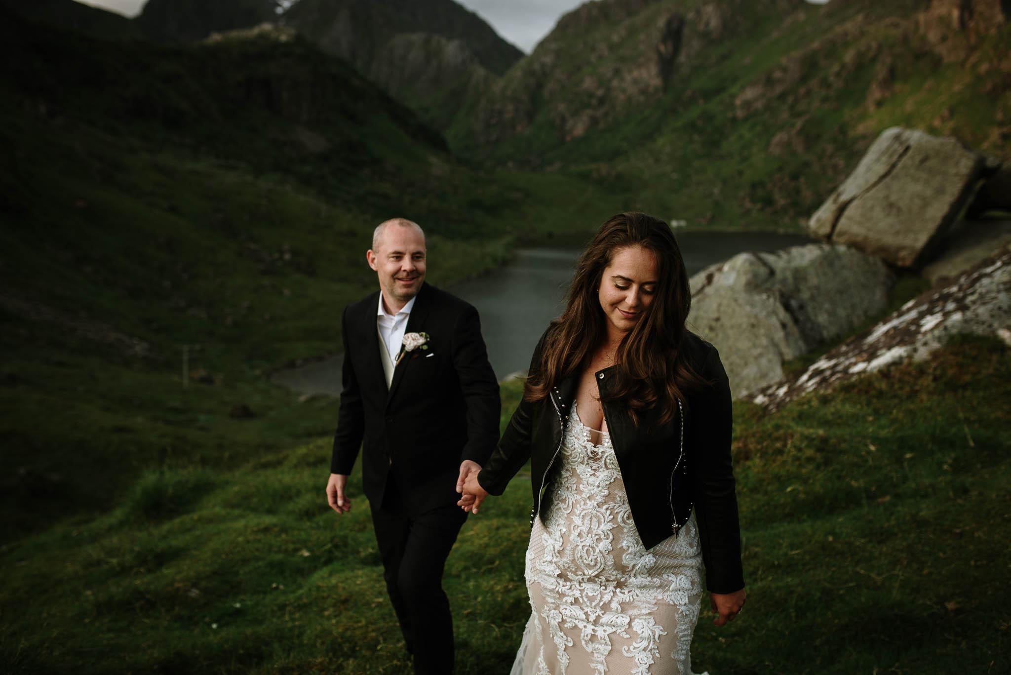 Bryllupsfotograf i Lofoten - wedding photographer Lofoten - bryllup harstad-68.jpg
