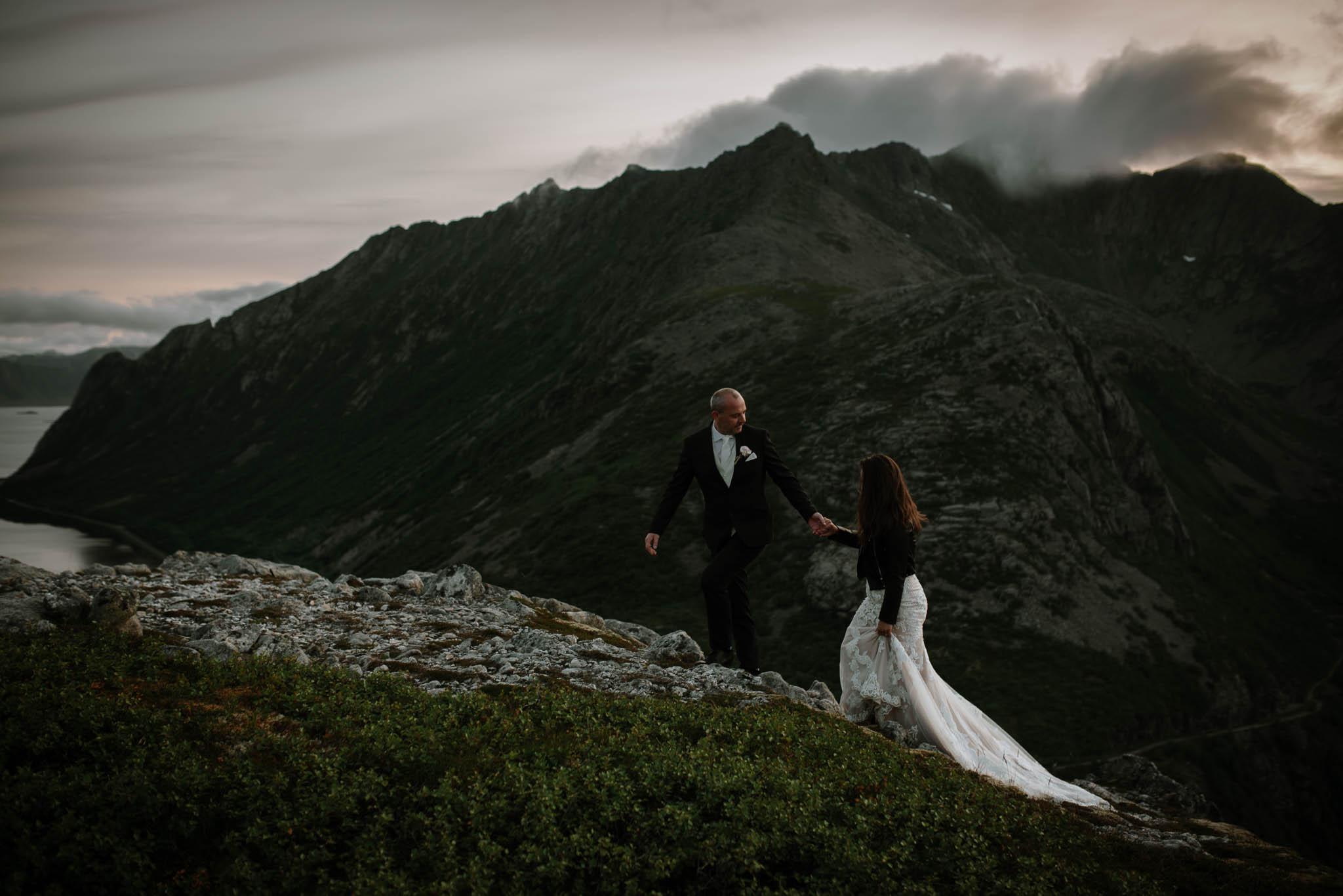 Bryllupsfotograf i Lofoten - wedding photographer Lofoten - bryllup harstad-85.jpg