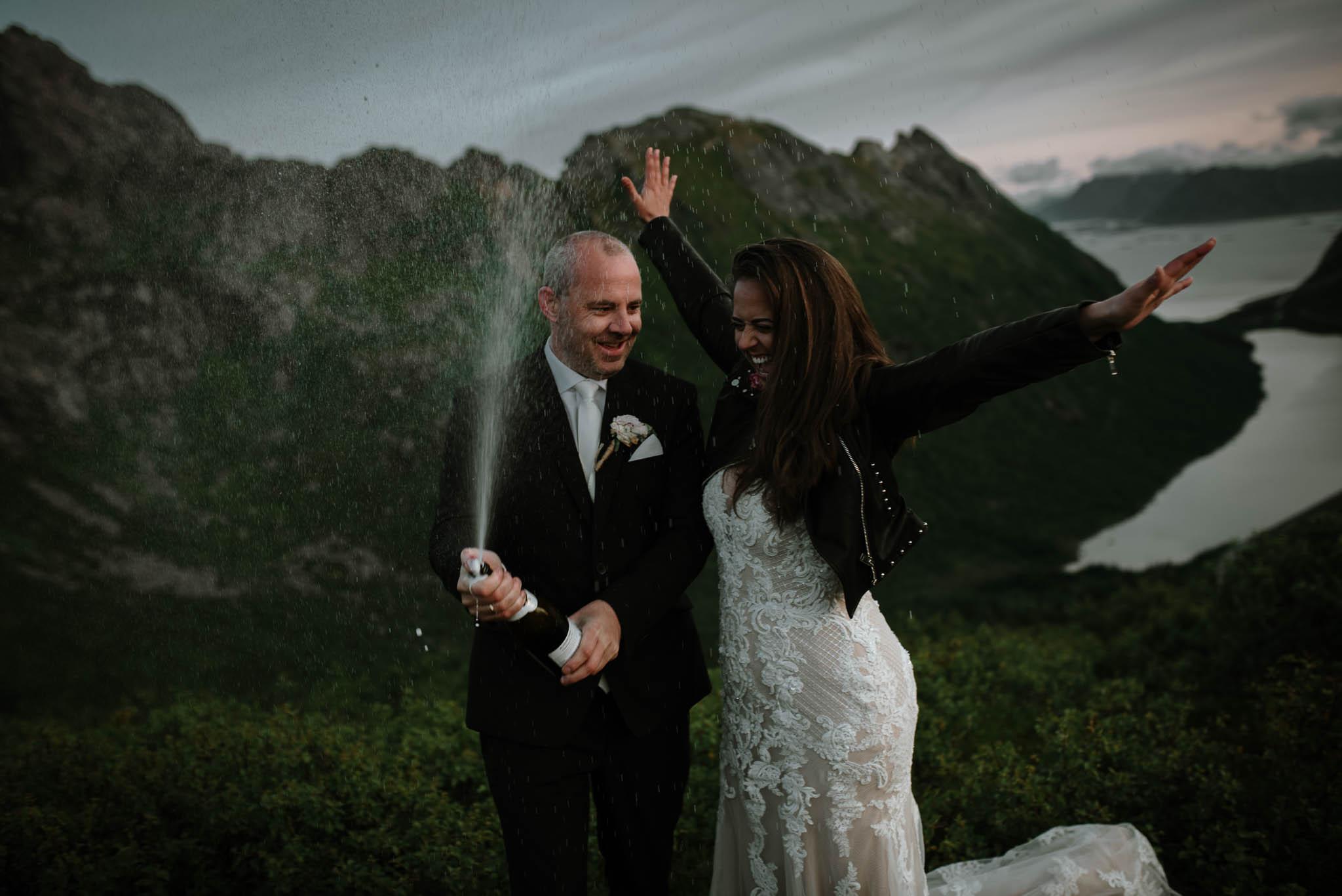 Bryllupsfotograf i Lofoten - wedding photographer Lofoten - bryllup harstad-86.jpg