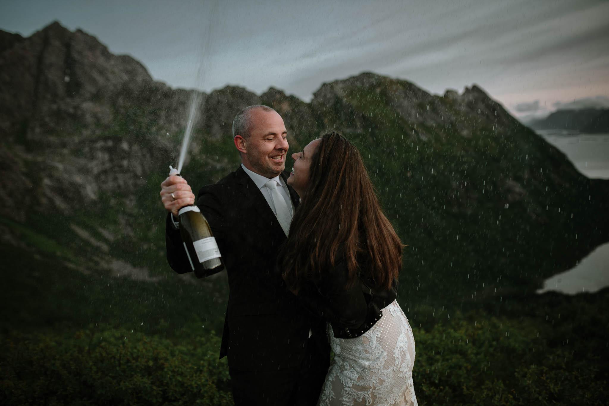 Bryllupsfotograf i Lofoten - wedding photographer Lofoten - bryllup harstad-87.jpg