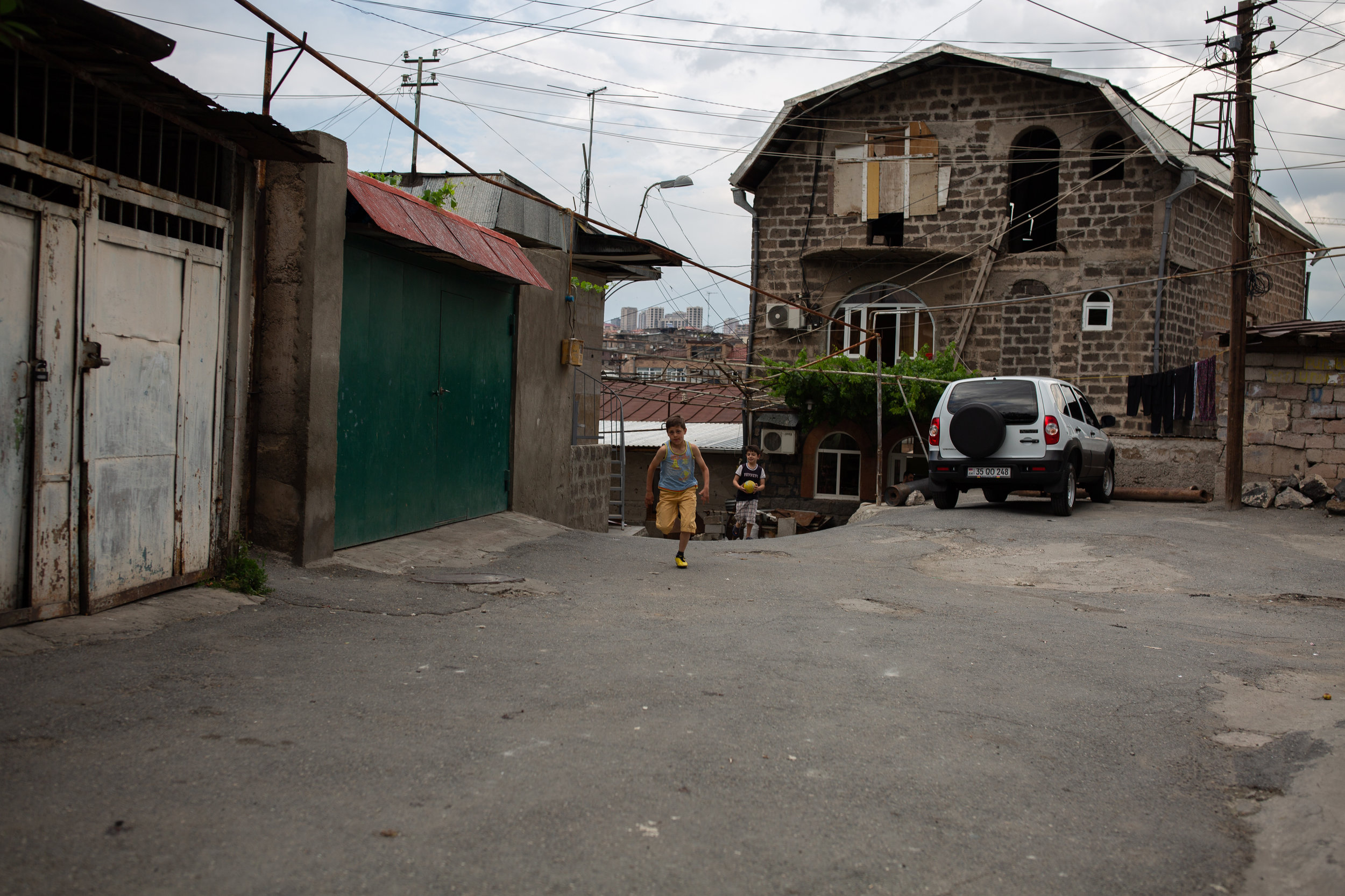 Approaching one of few markets in Kond where children can purchase ice cream and adults can get their produce for dinner. There is also a building where lavash is made everyday, some say it's one of the best in the city of Yerevan.