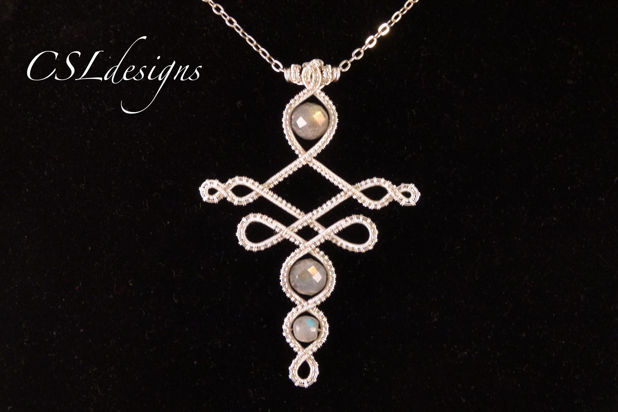 Elvish inspired wirework pendant close long.jpg