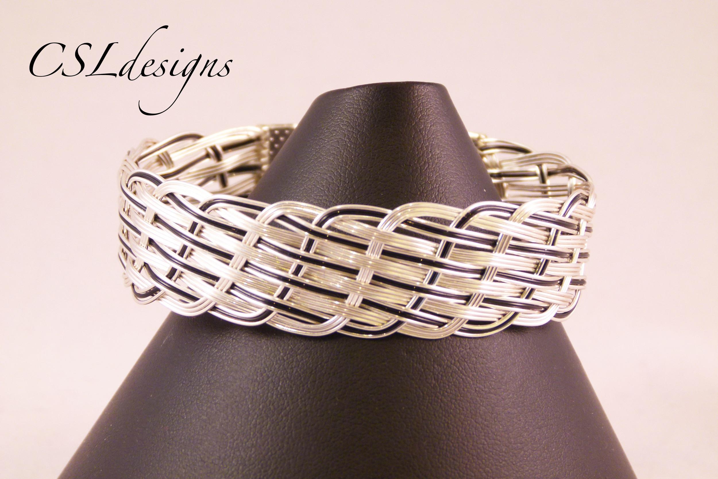 Close wirewoven black bracelet front close.jpg