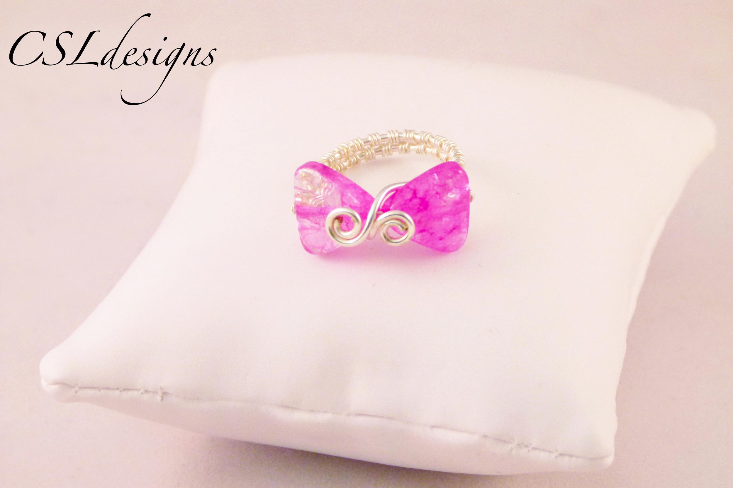 Wirework bow ring pink.jpg