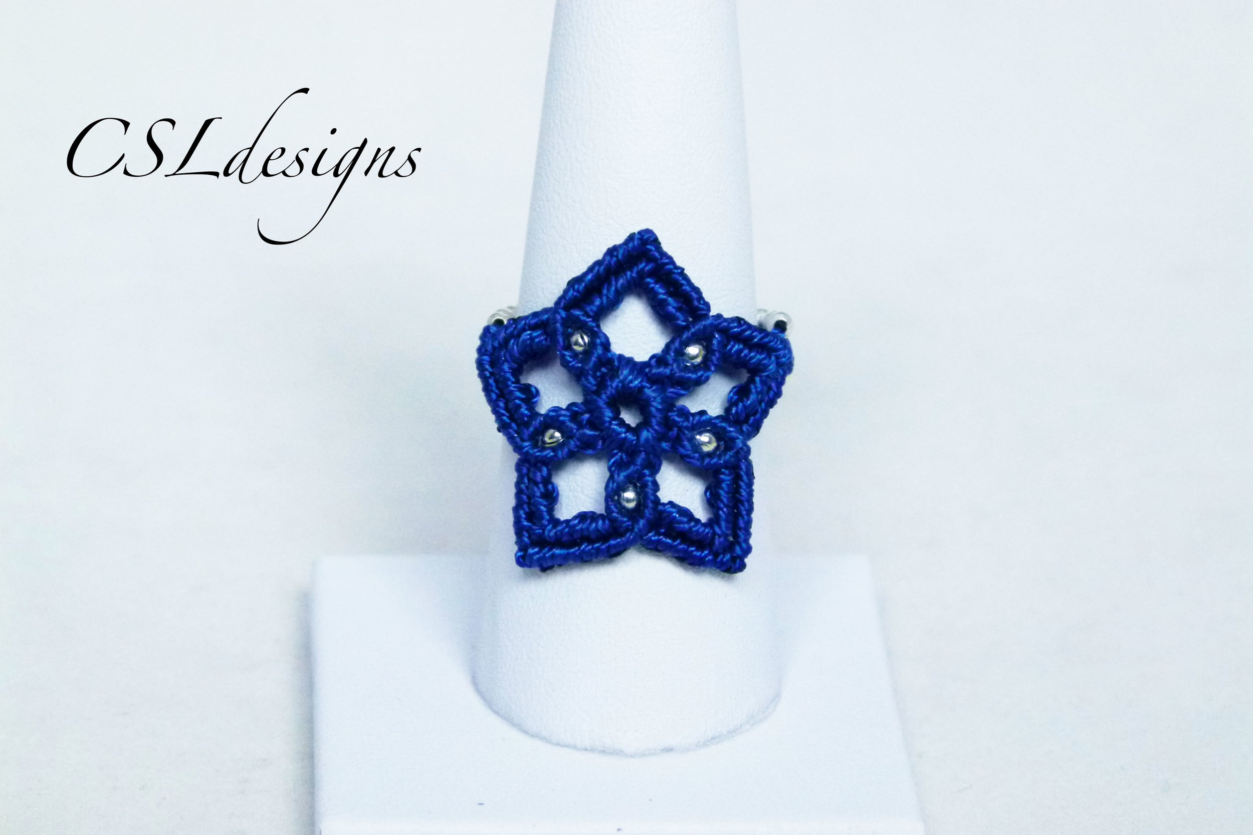 Micro macrame star ring front.jpg