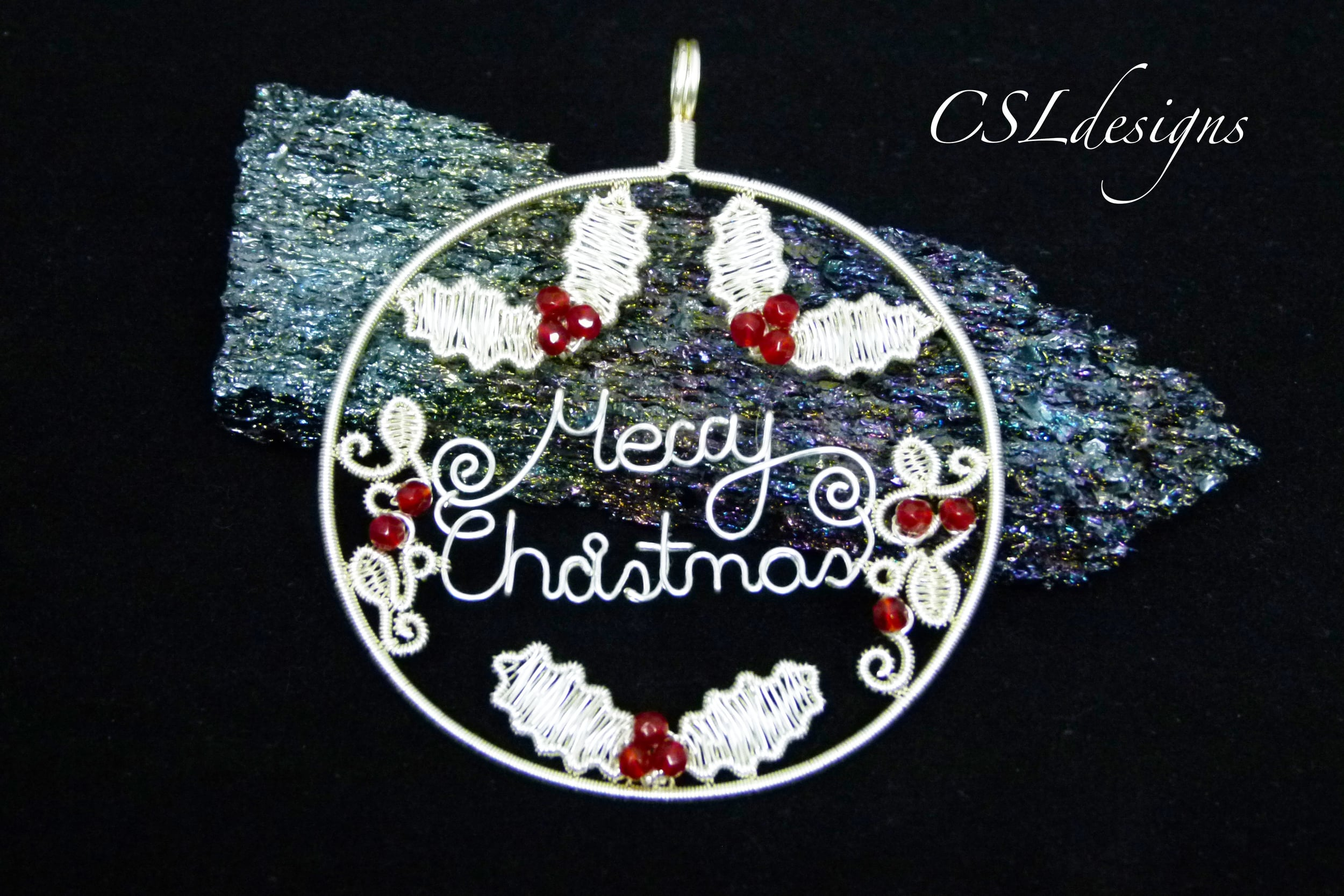 Flat wirework Christmas bauble.jpg