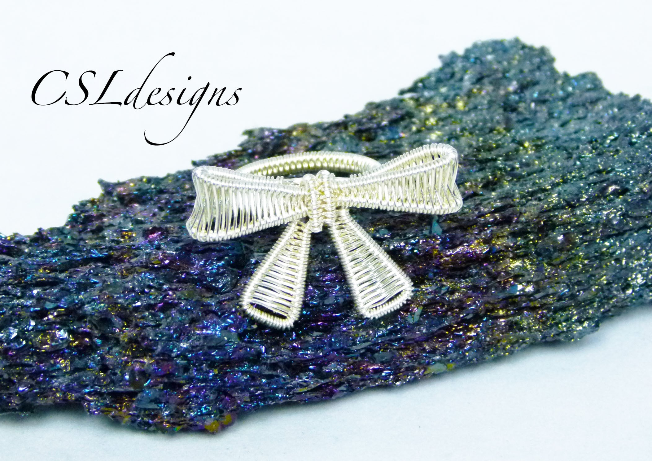 Wire woven bow ring thumbnail.jpg