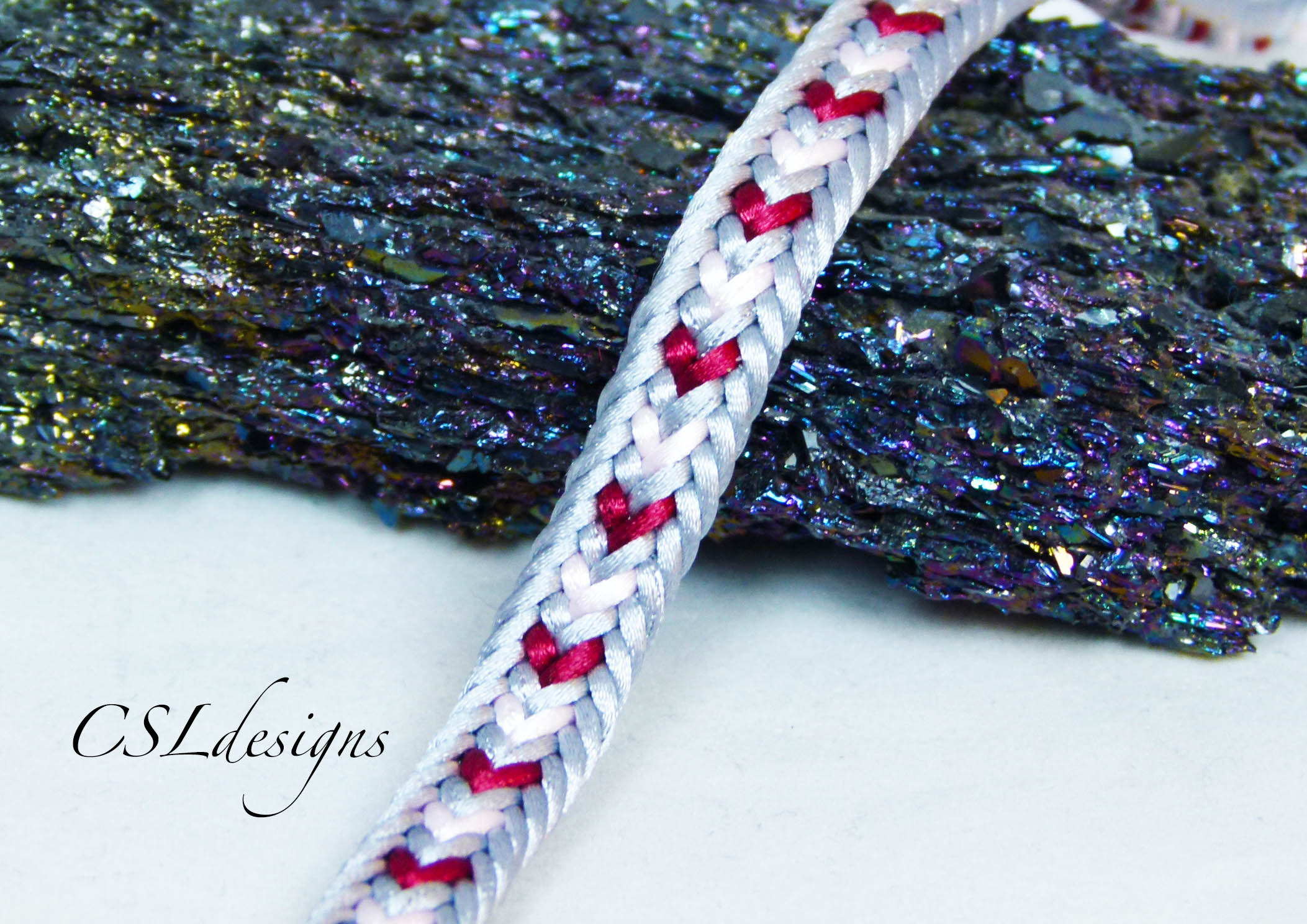 Two colour heart kumihimo braid thumbnail.jpg