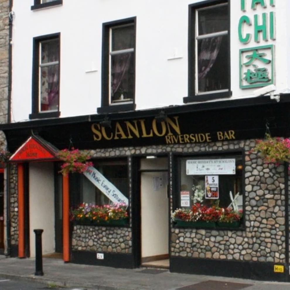 Scanlons-Riverside-Bar-Boyle-County-Roscommon