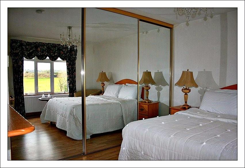 bedroom 2 rosdarrig house.jpg