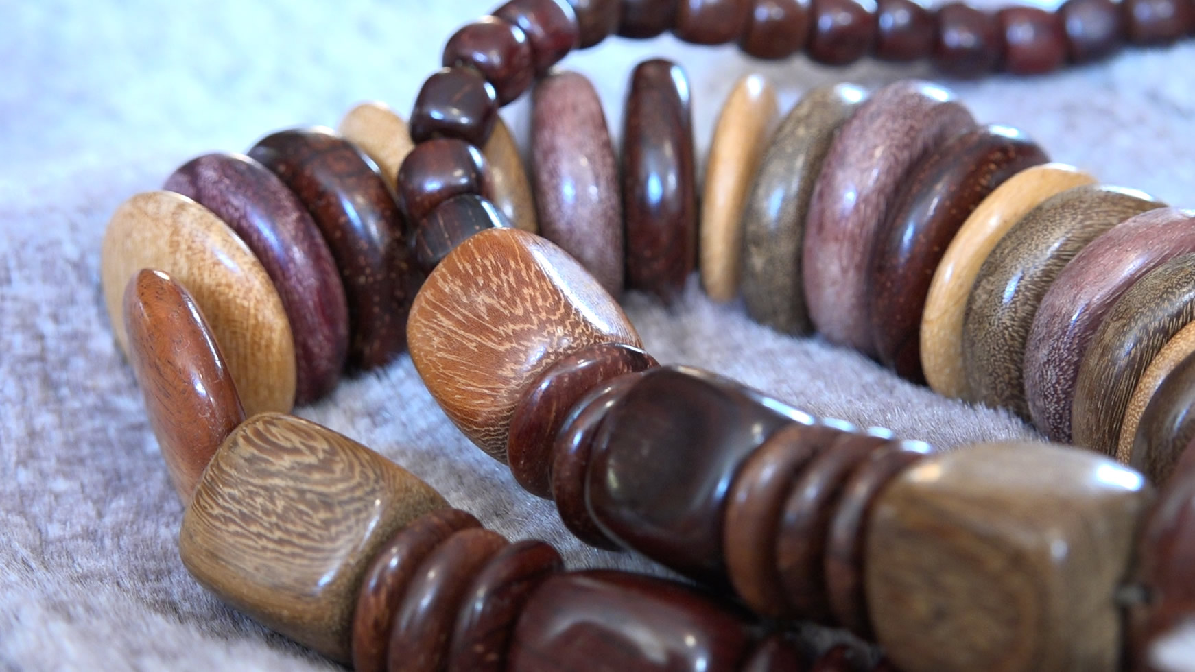 030 African Necklace 2.jpg