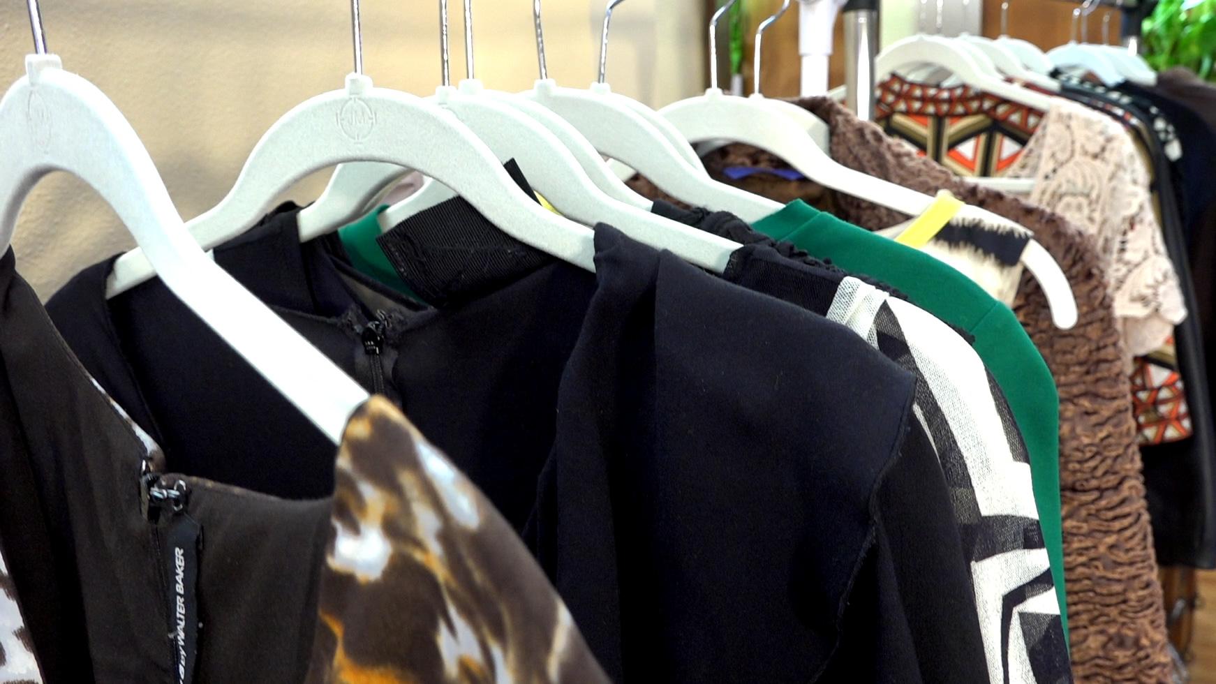 014 Clothing Rack Tops.jpg