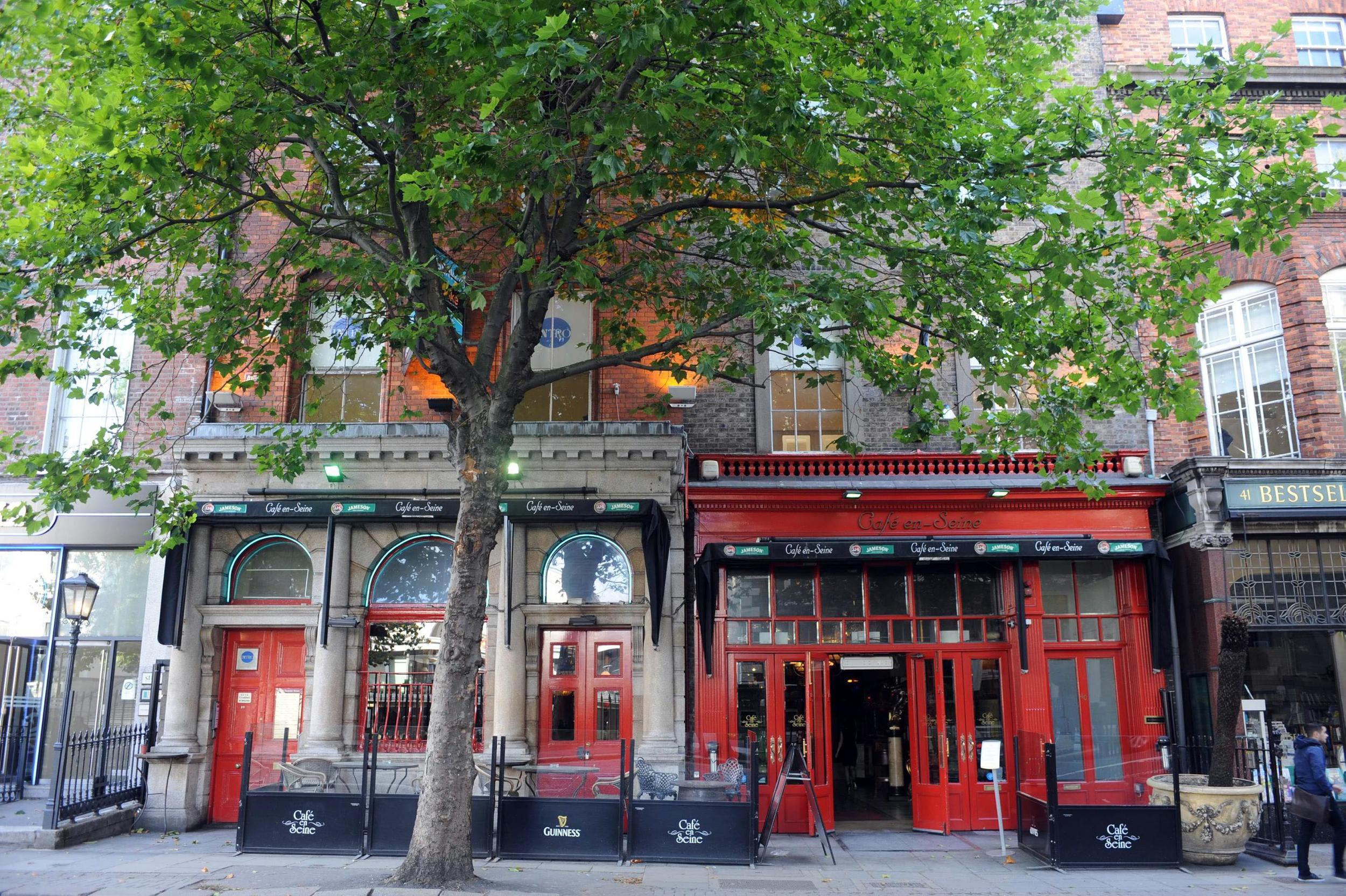 macmonagle pub00003.jpg