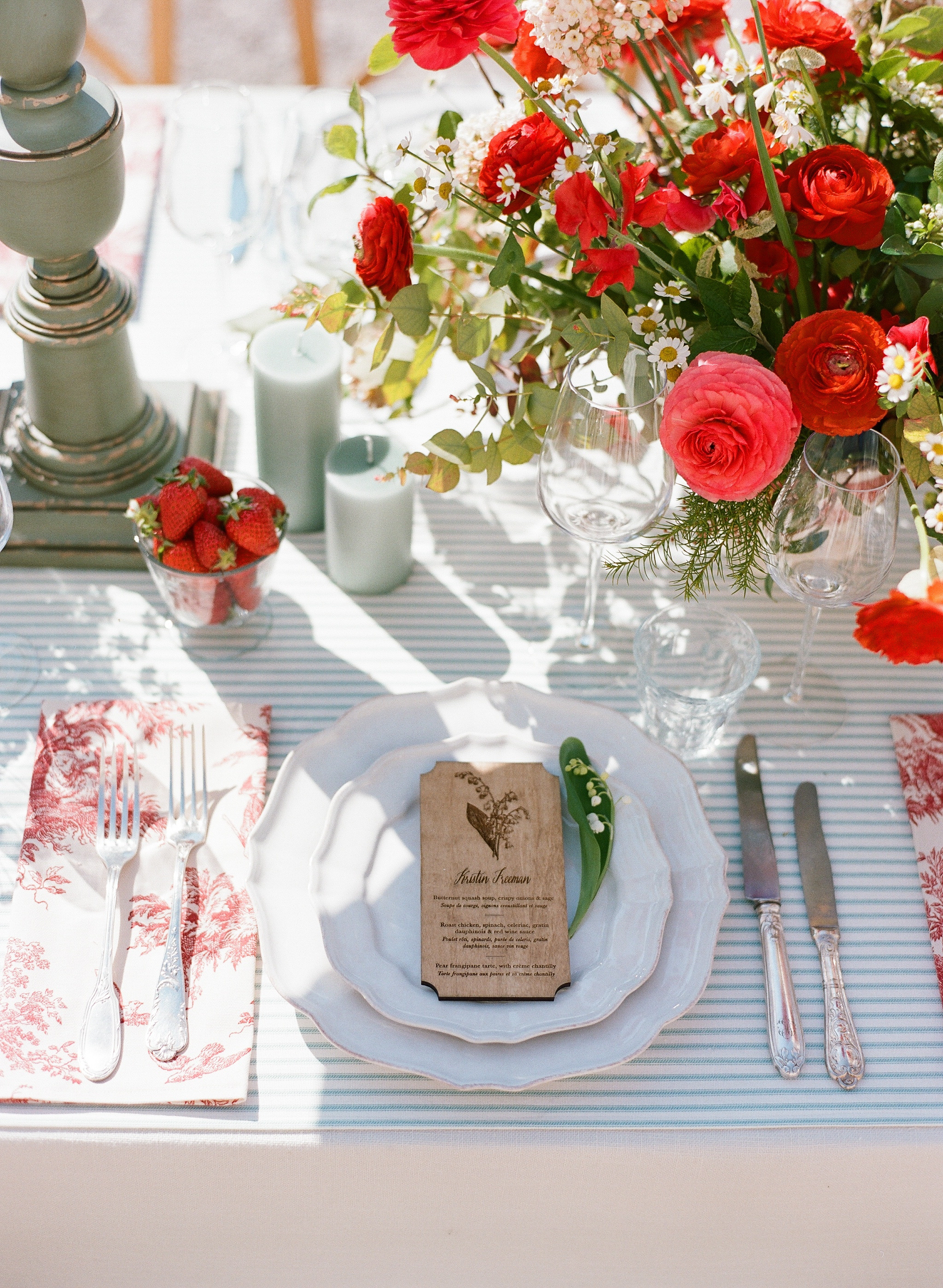 Sylvie-Gil-0036-Workshop-film-photography-chateau-wedding-france-reception-outdoor-red-welcome-dinner.jpg