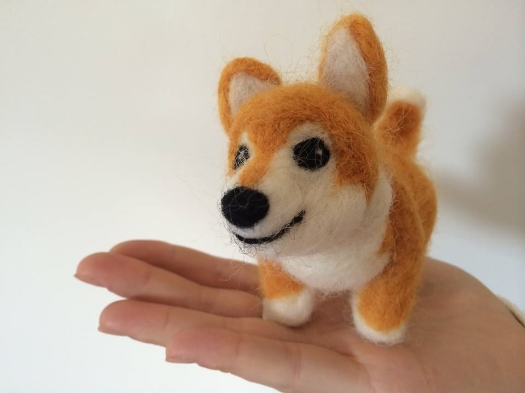 Make your own felted furry friend with Ninna Nanna.