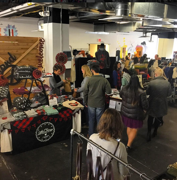 Shoppers exercised patience as the crowds began to swell. Photo: @littlechicagoclothing