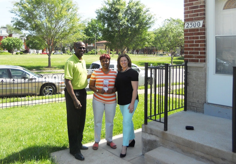 Jeffrey with Gloria Boyd and Alderwoman Christine Ingrassia during Canvassing