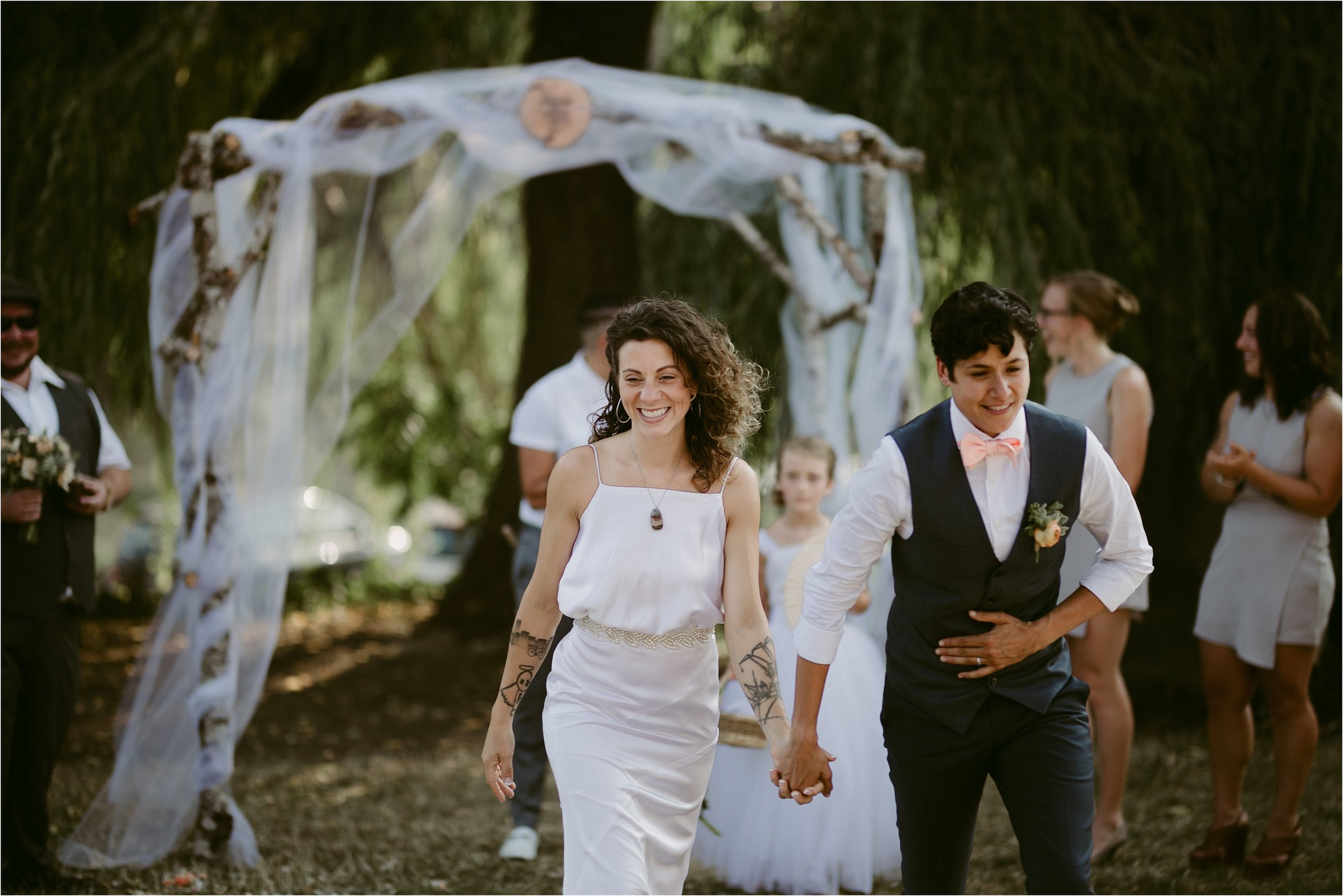 same-sex-wedding-catherdral-park-portland-indie-photographer_0214.jpg