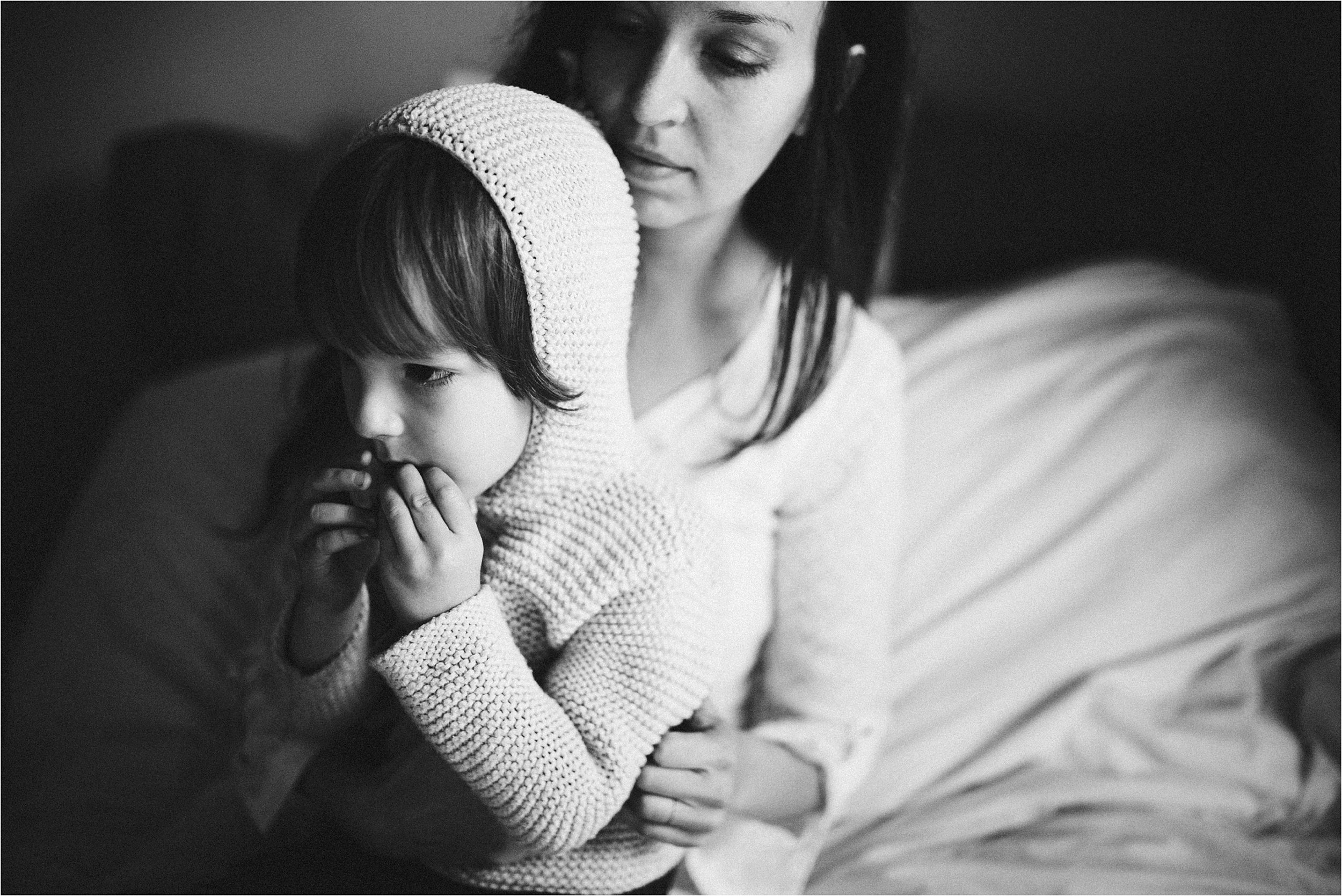 in-home-lifestyle-mama-and-baby-session-portland-family-photographer-18.jpg