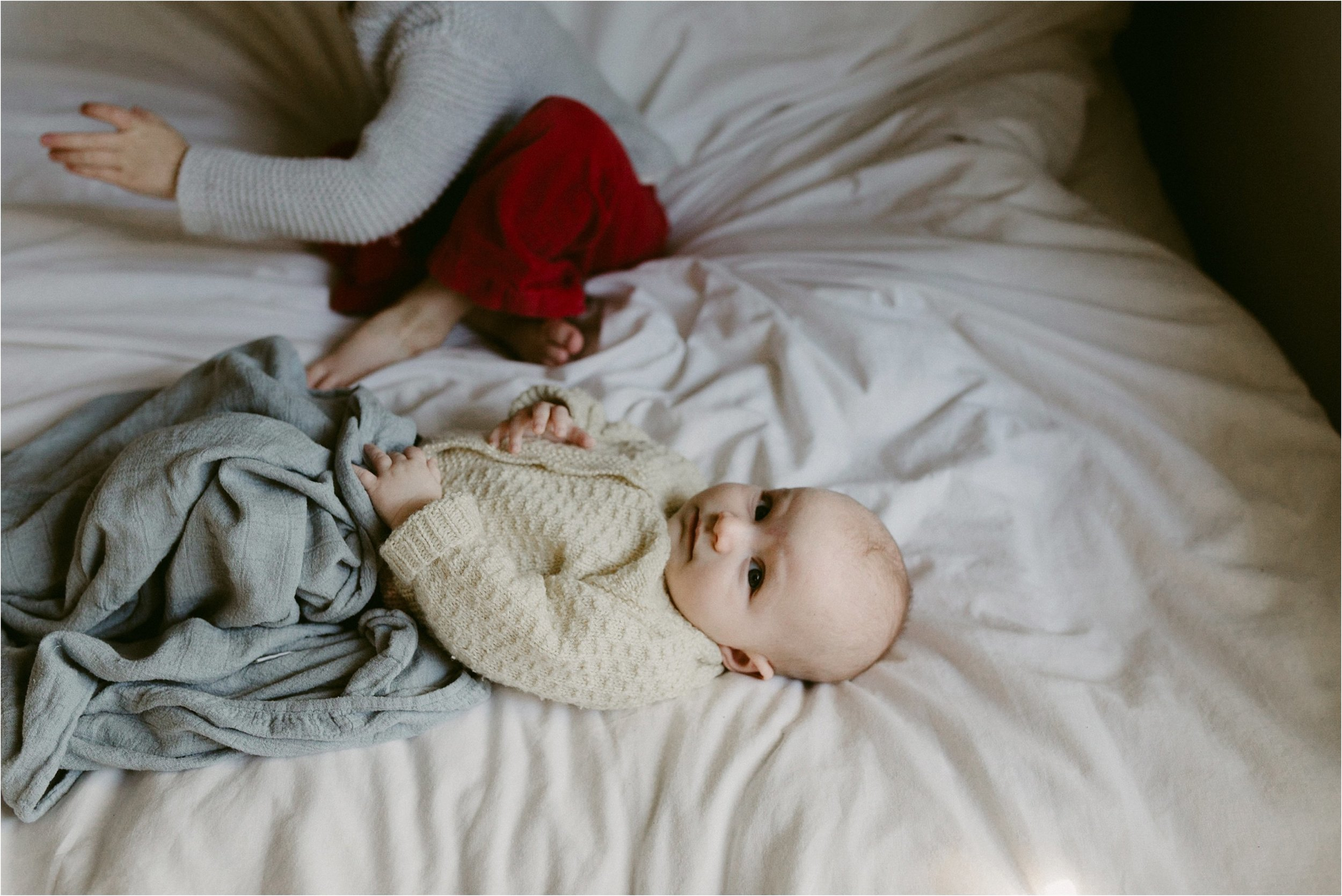 in-home-lifestyle-mama-and-baby-session-portland-family-photographer-21.jpg