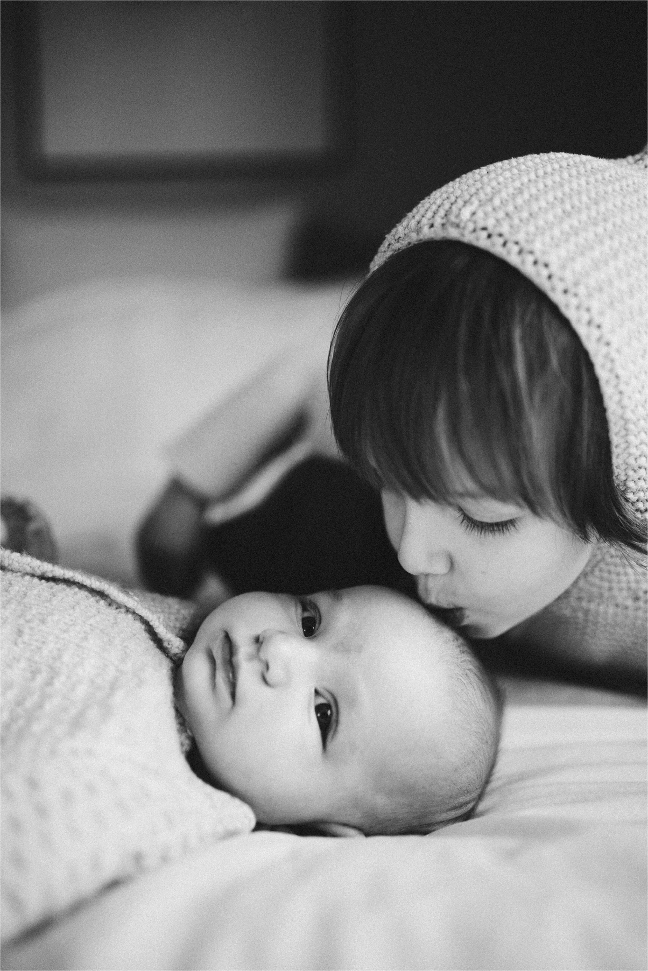 in-home-lifestyle-mama-and-baby-session-portland-family-photographer-20.jpg