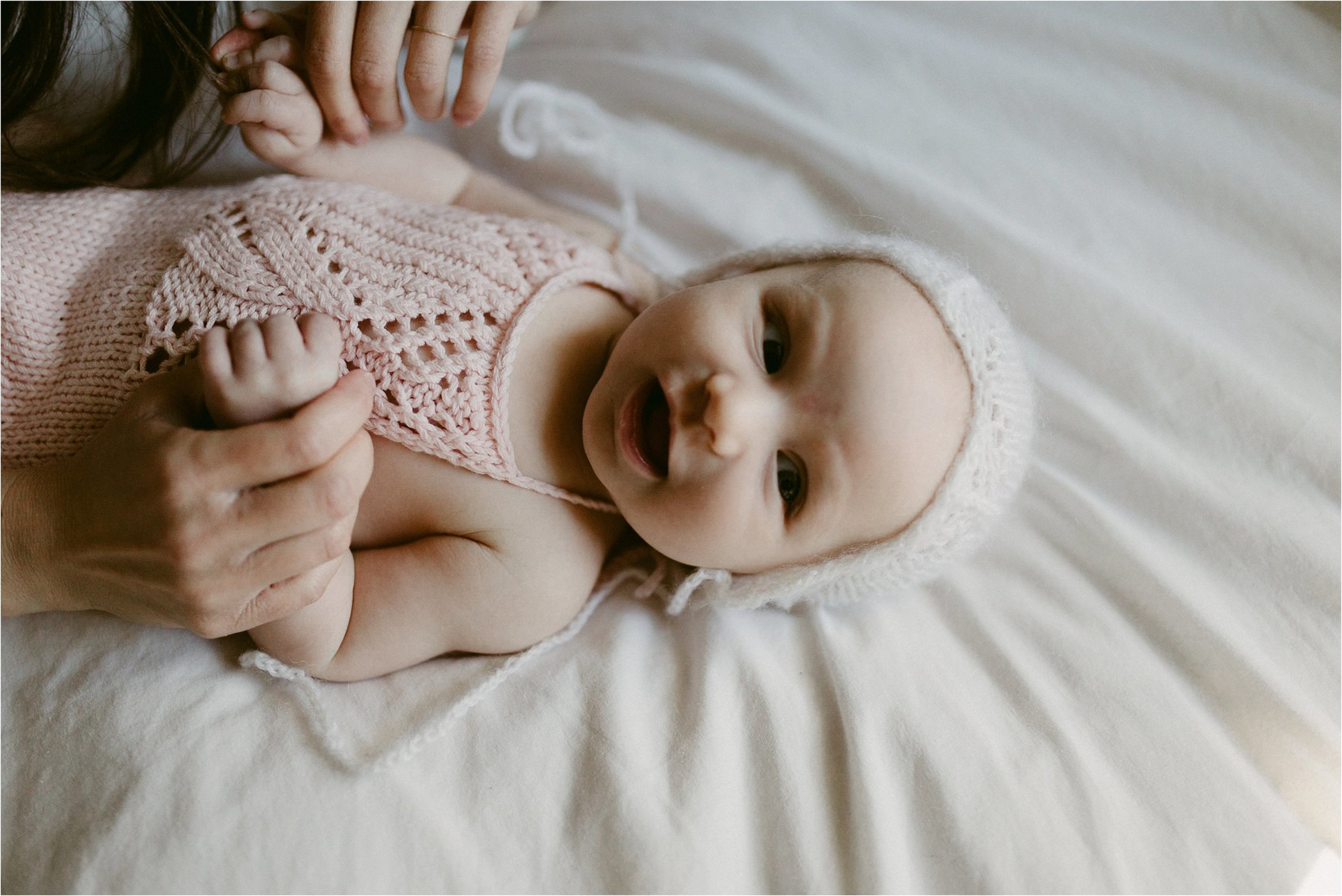 in-home-lifestyle-mama-and-baby-session-portland-family-photographer-27.jpg
