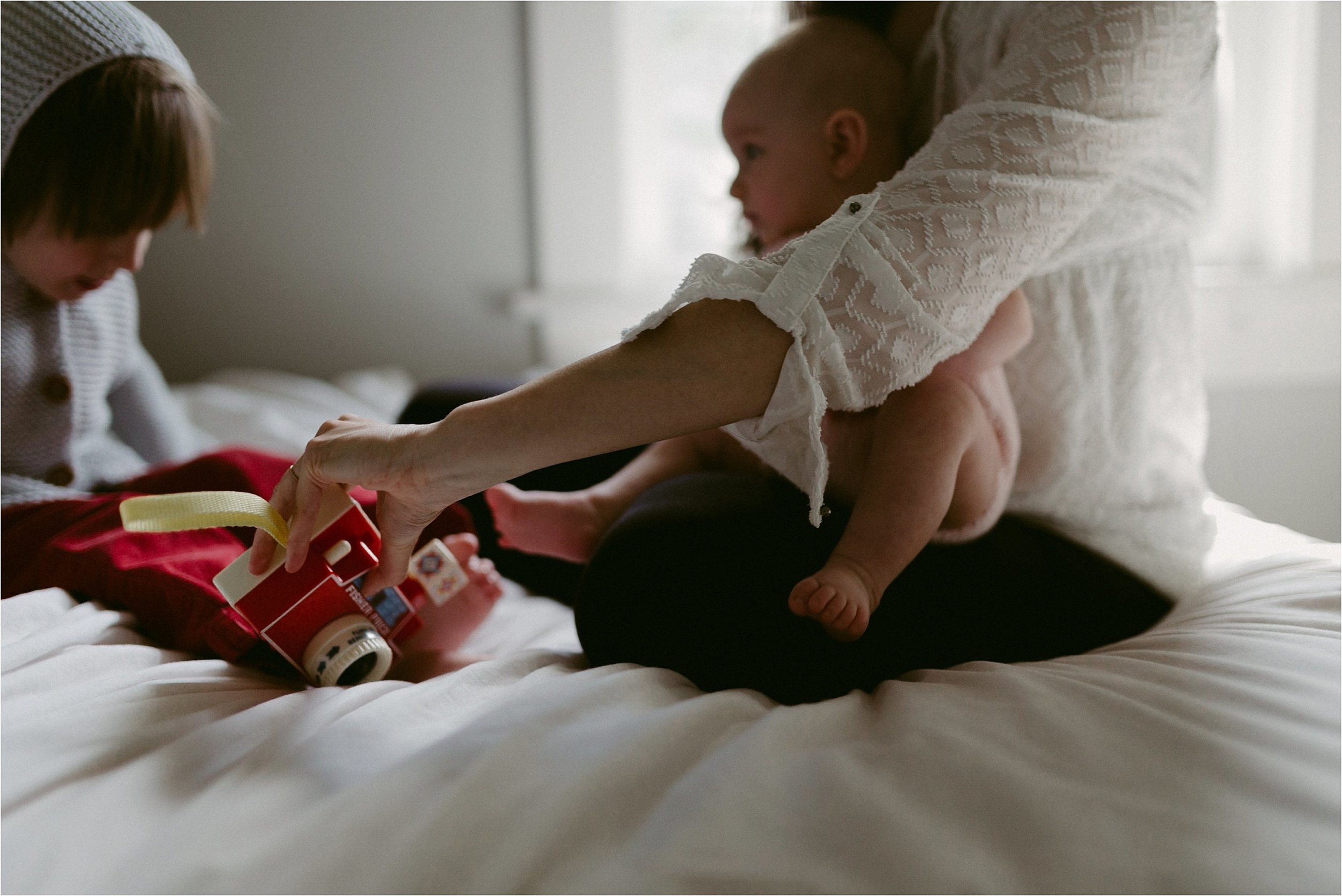 in-home-lifestyle-mama-and-baby-session-portland-family-photographer-44.jpg