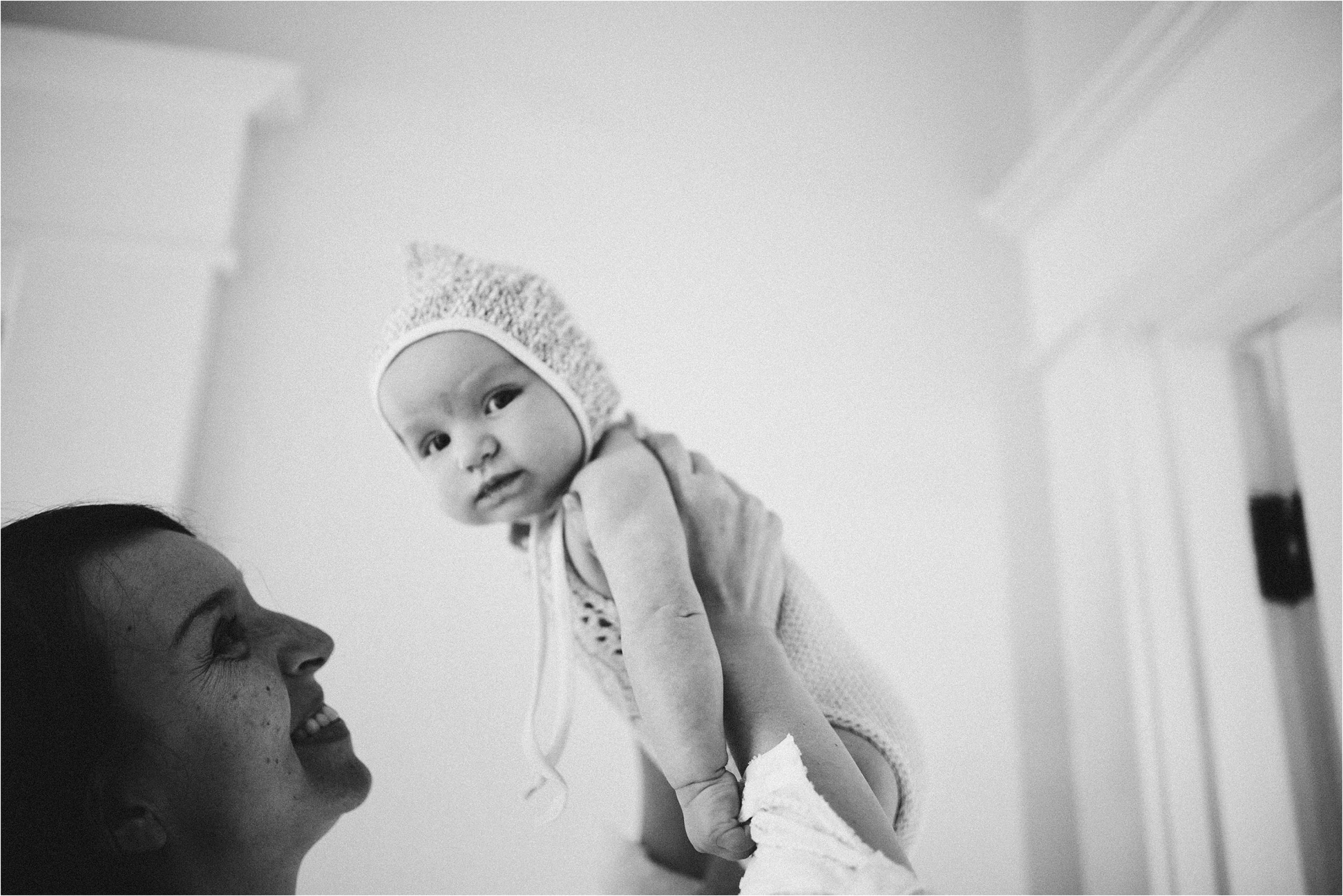 in-home-lifestyle-mama-and-baby-session-portland-family-photographer-47.jpg