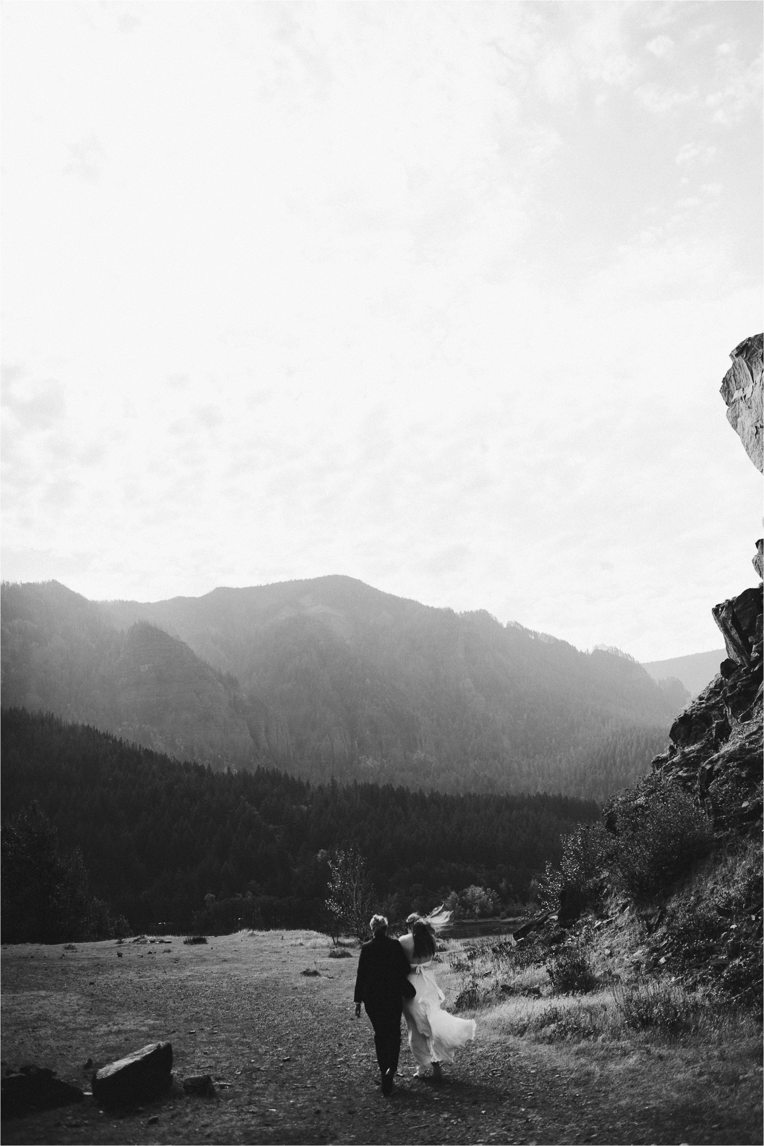 columbia-river-gorge-elopement-66.jpg