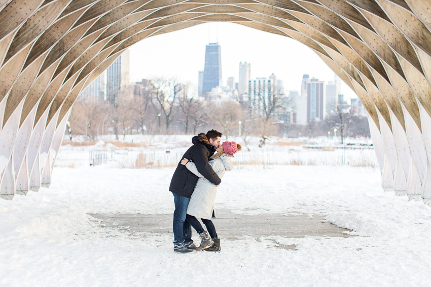 winterlincolnparkengagement-30.jpg