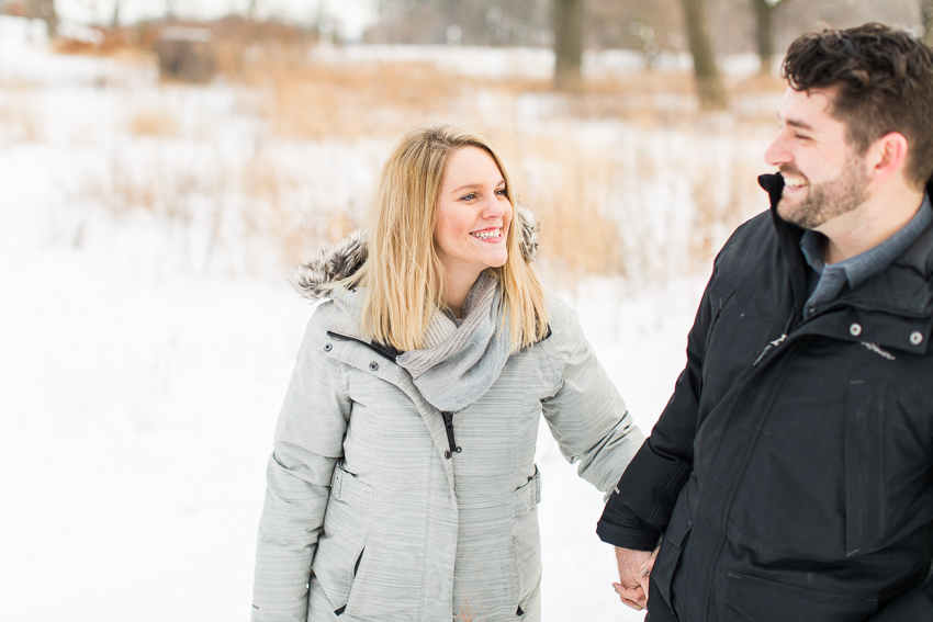 winterlincolnparkengagement-15.jpg