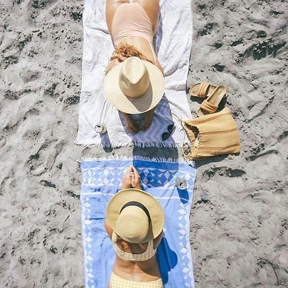 Another beach day...yes please 🤷🏼‍♀️ @surfhouseadventures love the 📷 . . . #homebeachtent #beach #traveltowel #turkishtowel #beachtowel #cardiffbythesea