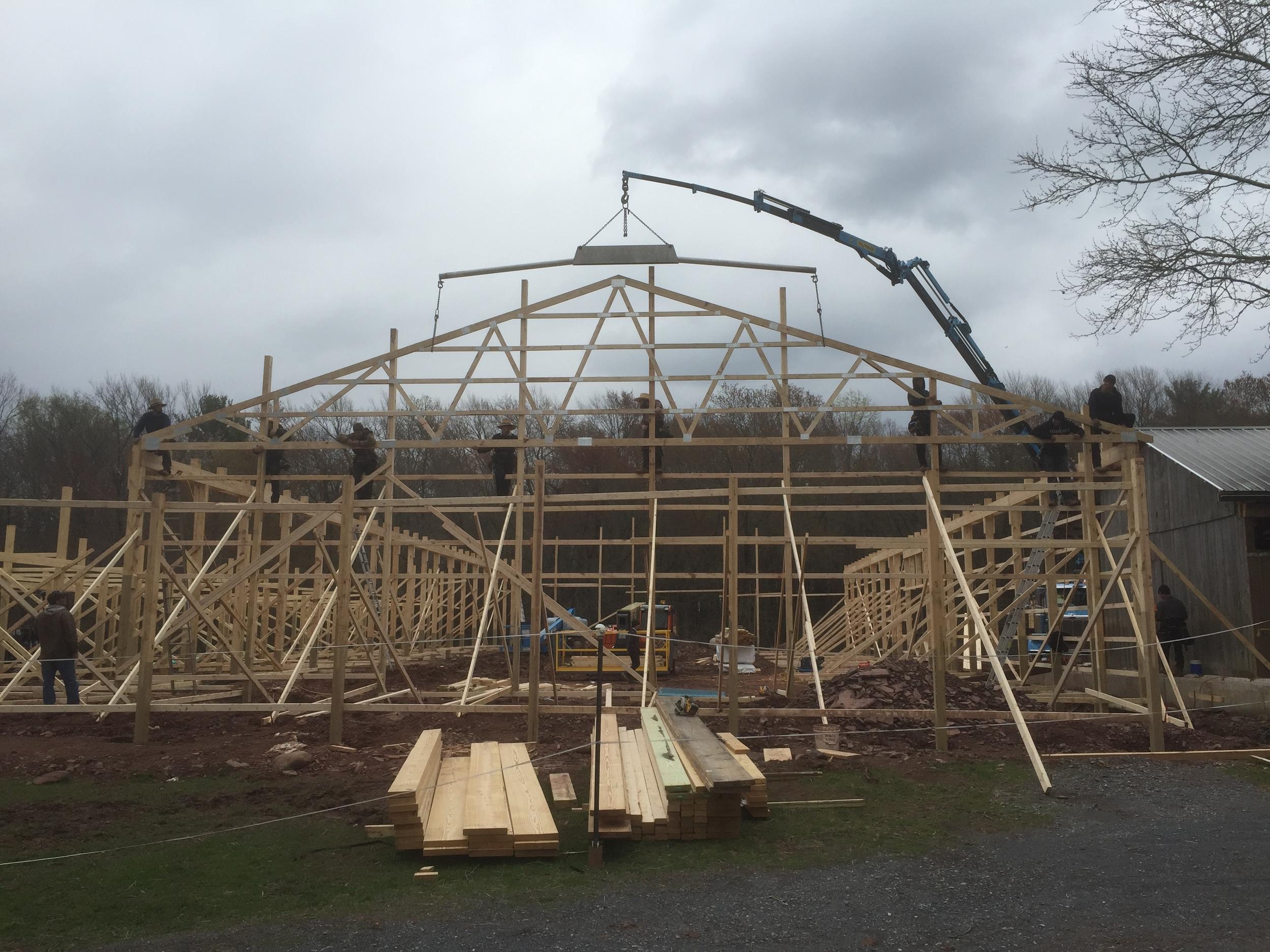 BuildingTheBarn175.JPG
