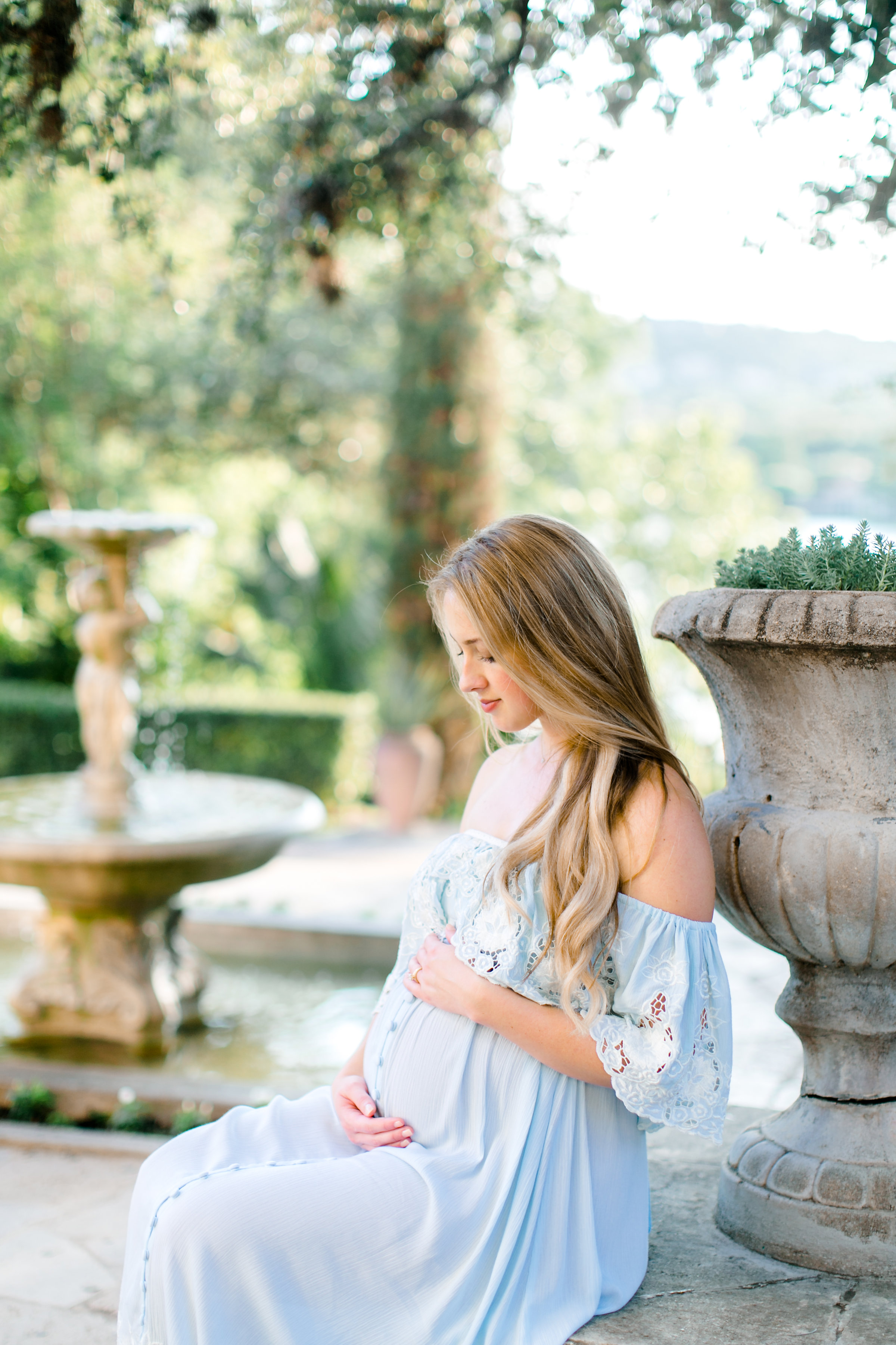 Austin-Maternity-Photographer-Laguna-Gloria-15.jpg