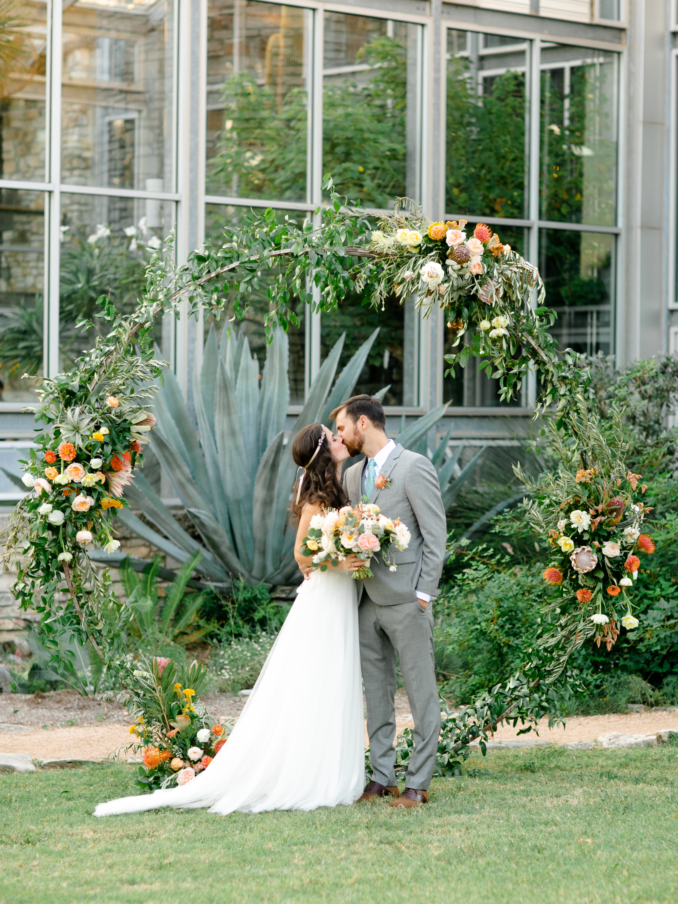 Best-Austin-Denver-California-Wedding-Photographer-Greenhouse-Driftwood31.jpg