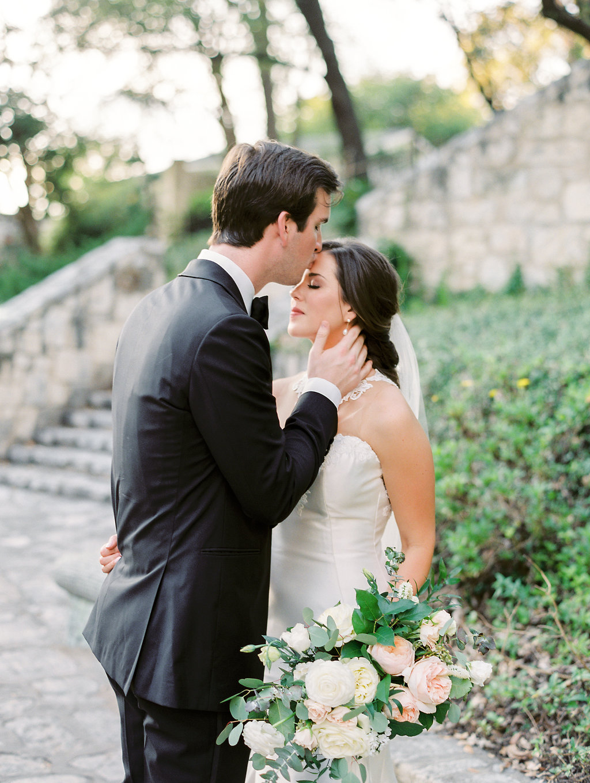 Best-Austin-Denver-California-Wedding-Photographers-Southwest-School-Art-44.jpg