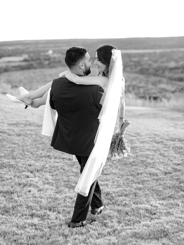 Austin-Film-Wedding-Photographer-Contigo-Ranch-Modern-123.jpg